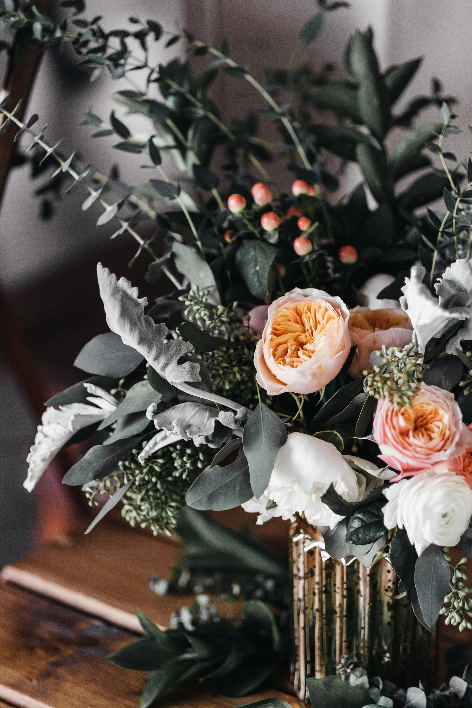 athena-and-camron-seattle-wedding-photographer-dairyland-snohomish-rustic-barn-wedding-flowers-styling-inspiration-lauren-madison-3