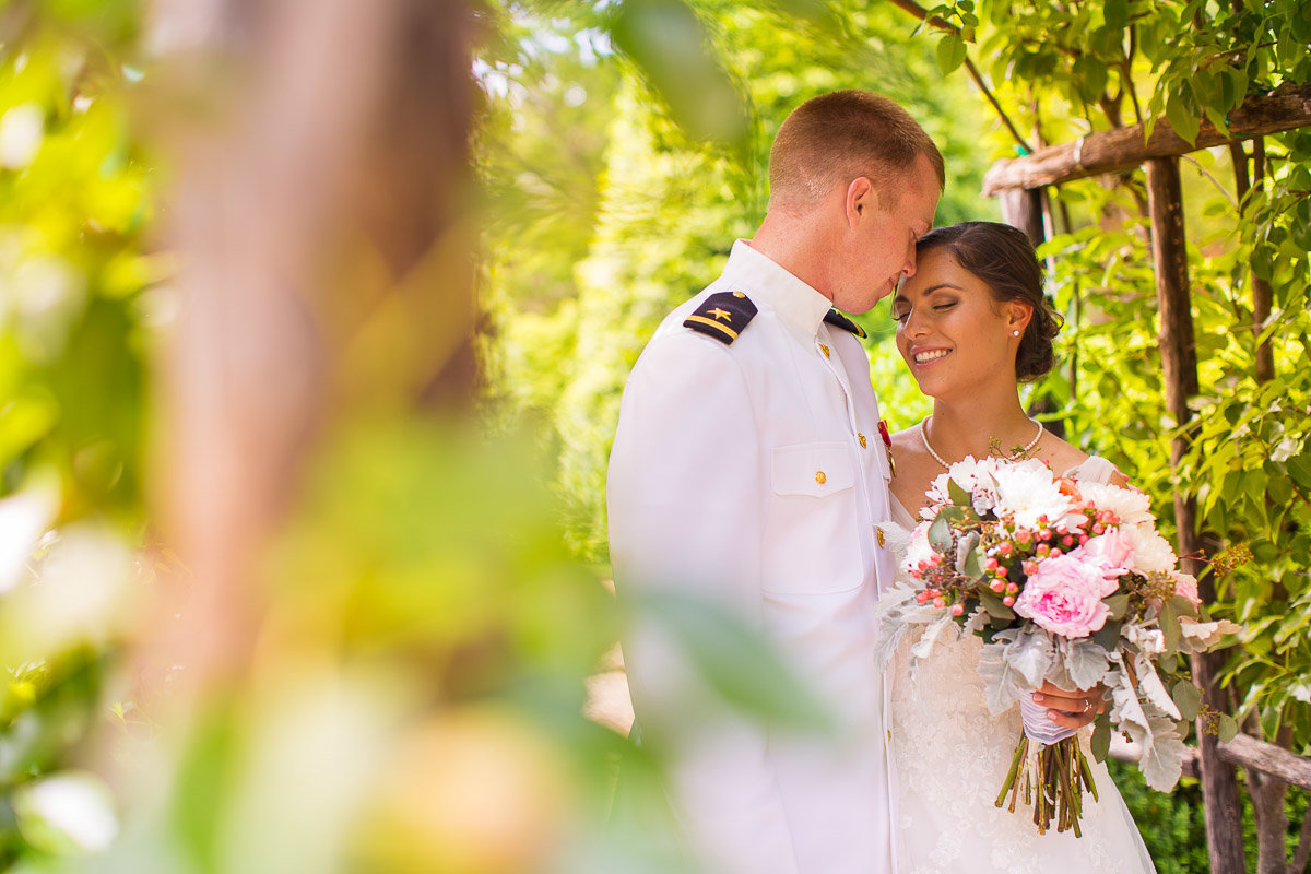 william paca house wedding in annapolis md by husband and wife wedding photographers