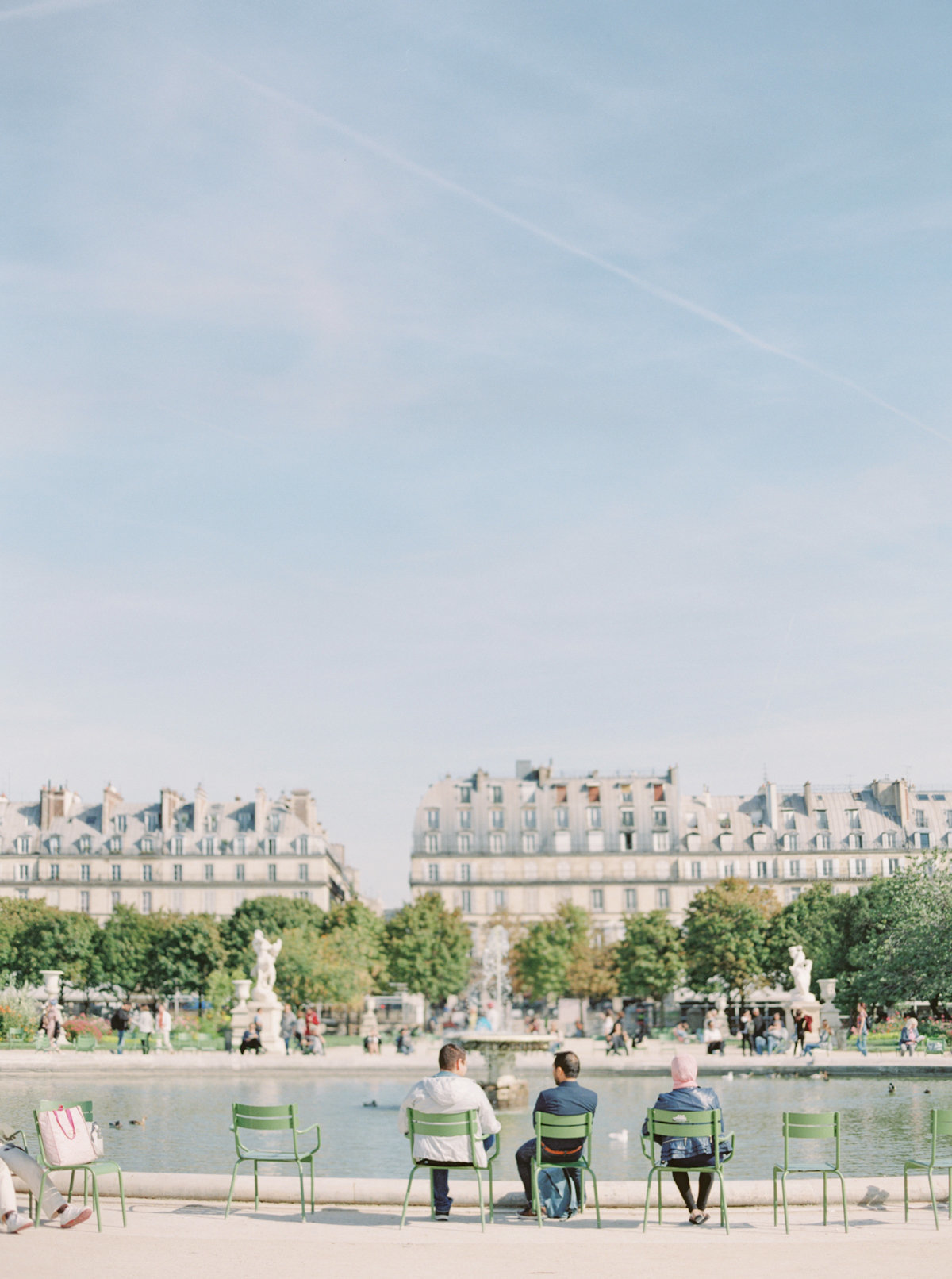 Paris-Wedding-Photographer-Film-Photographer-France-Molly-Carr-Photography-22