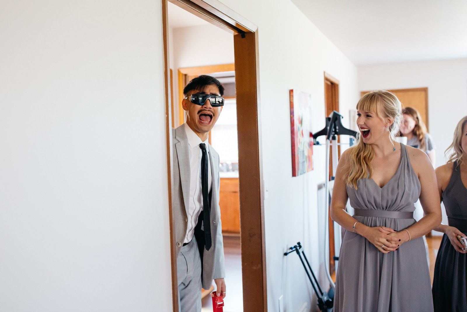 funny-seattle-wedding-photos