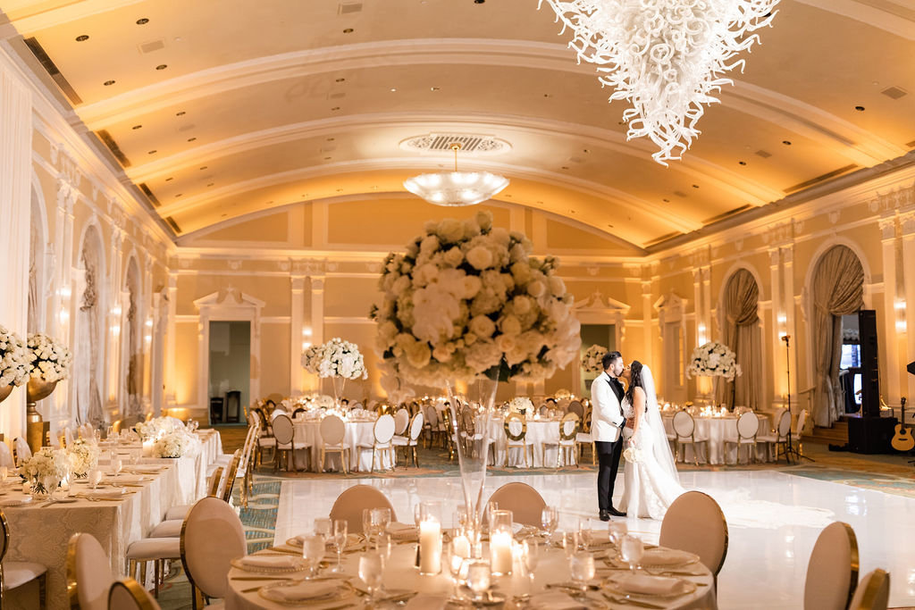 elegant white wedding at The Vinoy