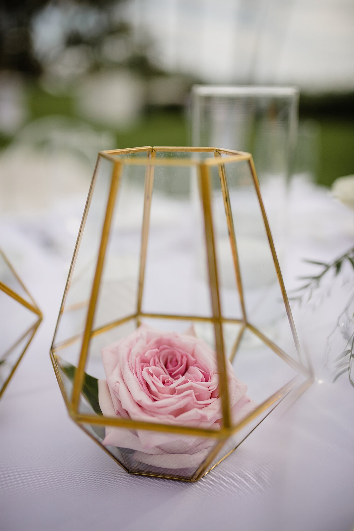 pink wedding flowers in glass vase