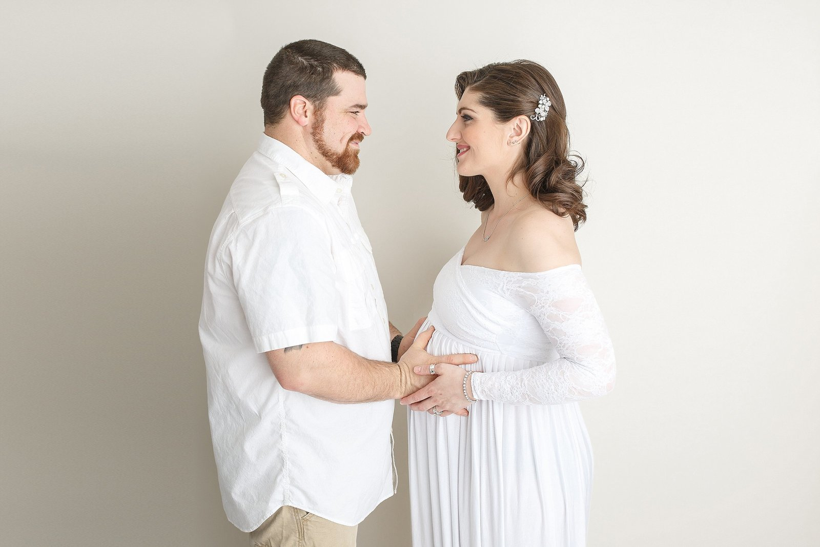 Maternity session with parents