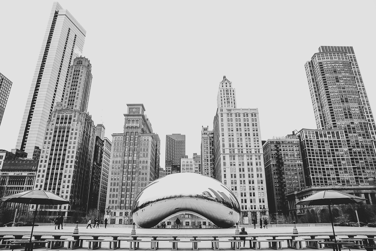 Chicago cityscape with the bean statue