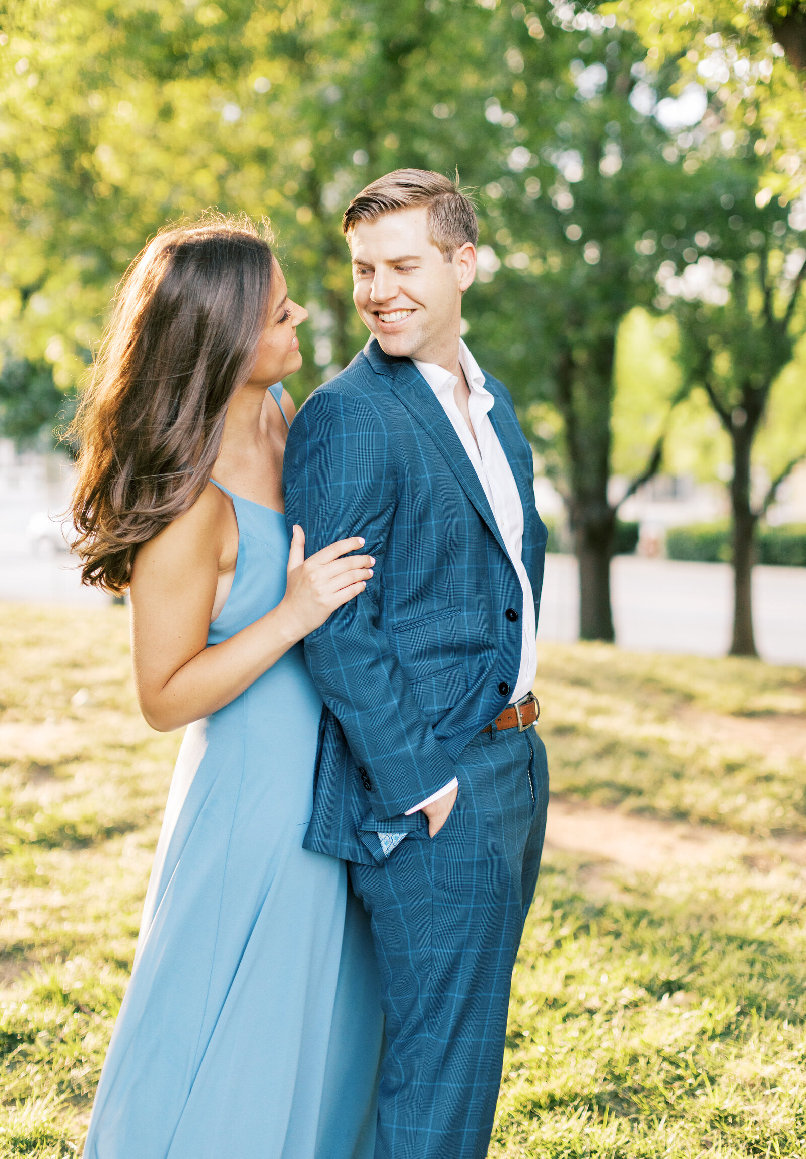 myriad-gardens-engagement-photos