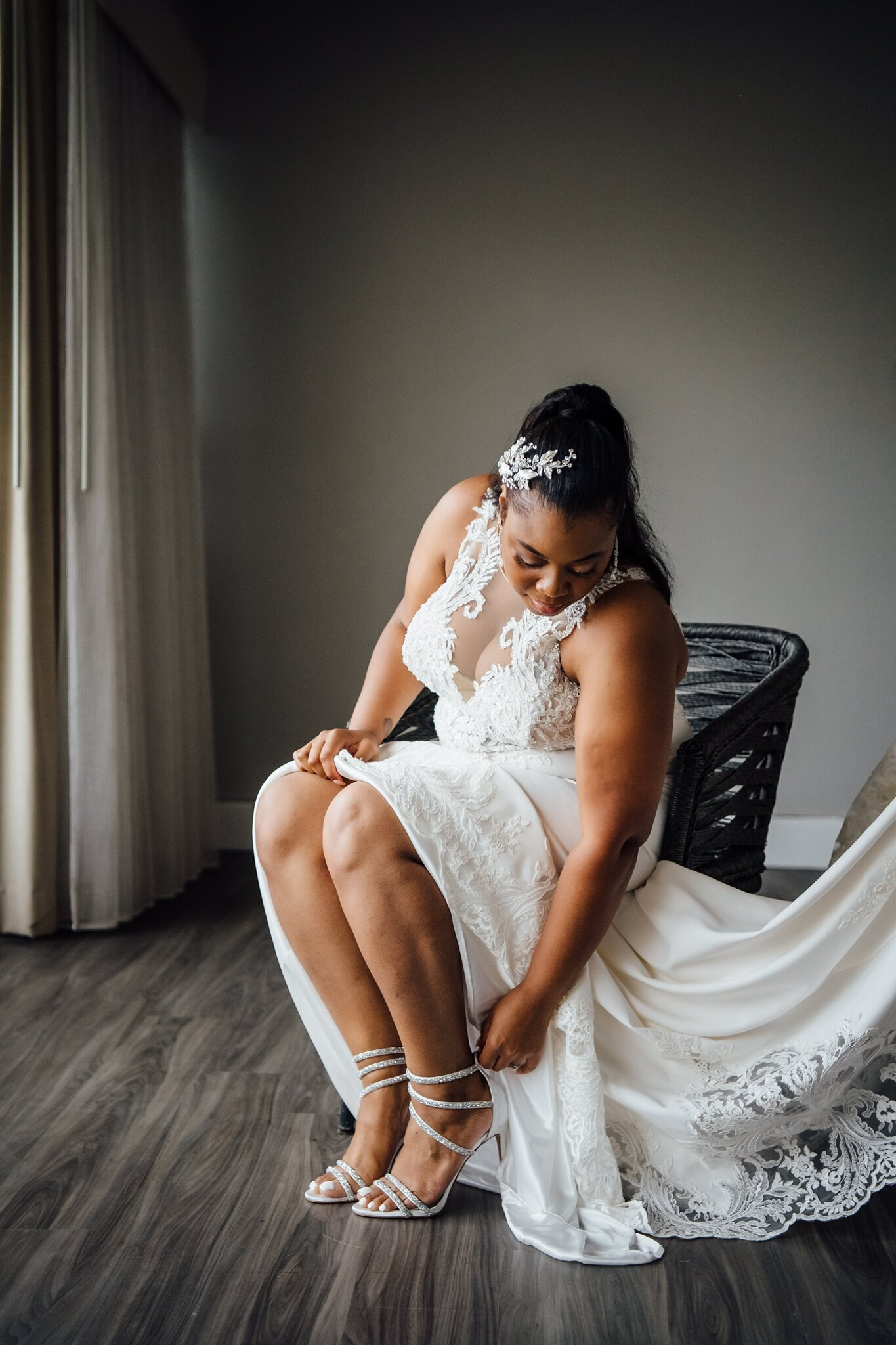 black bride getting ready for her wedding day in hawaii