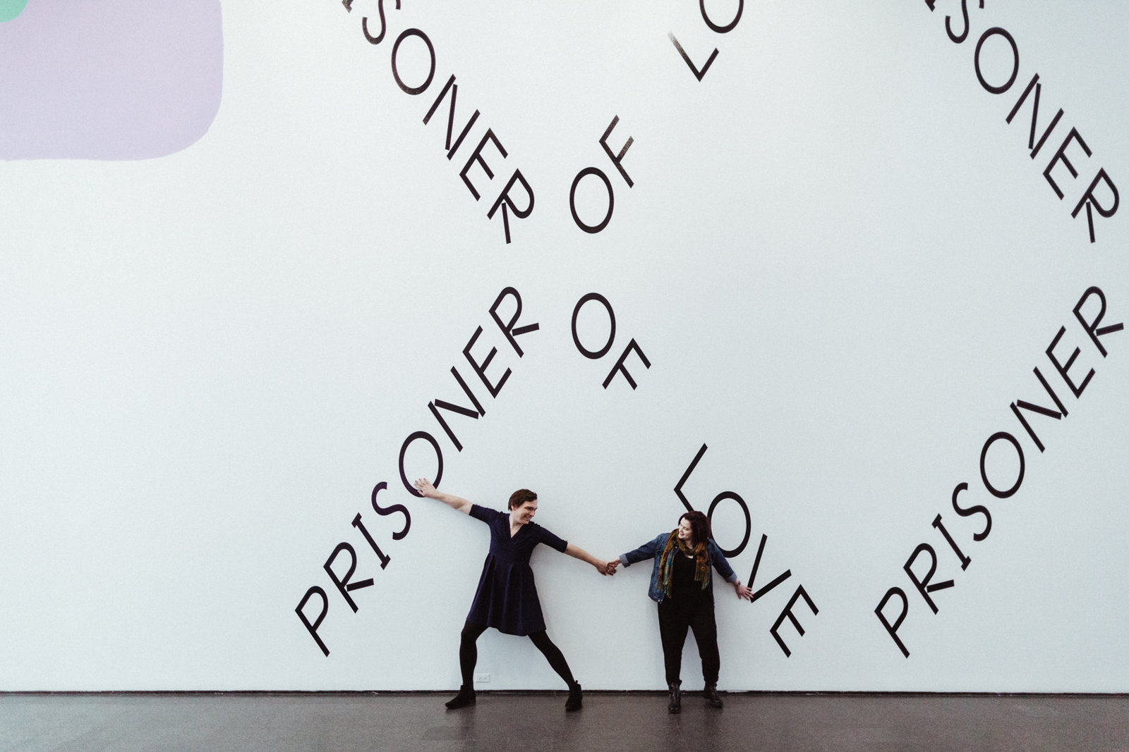 engagement-photos-chicago-museum-contemporary-art-ez-powers-18