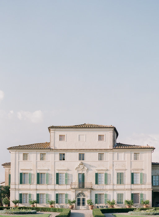 Molly-Carr-Photography-Paris-Film-Photographer-France-Wedding-Photographer-Europe-Destination-Wedding-Villa-Di-Geggiano-Siena-Tuscany-Italy-5
