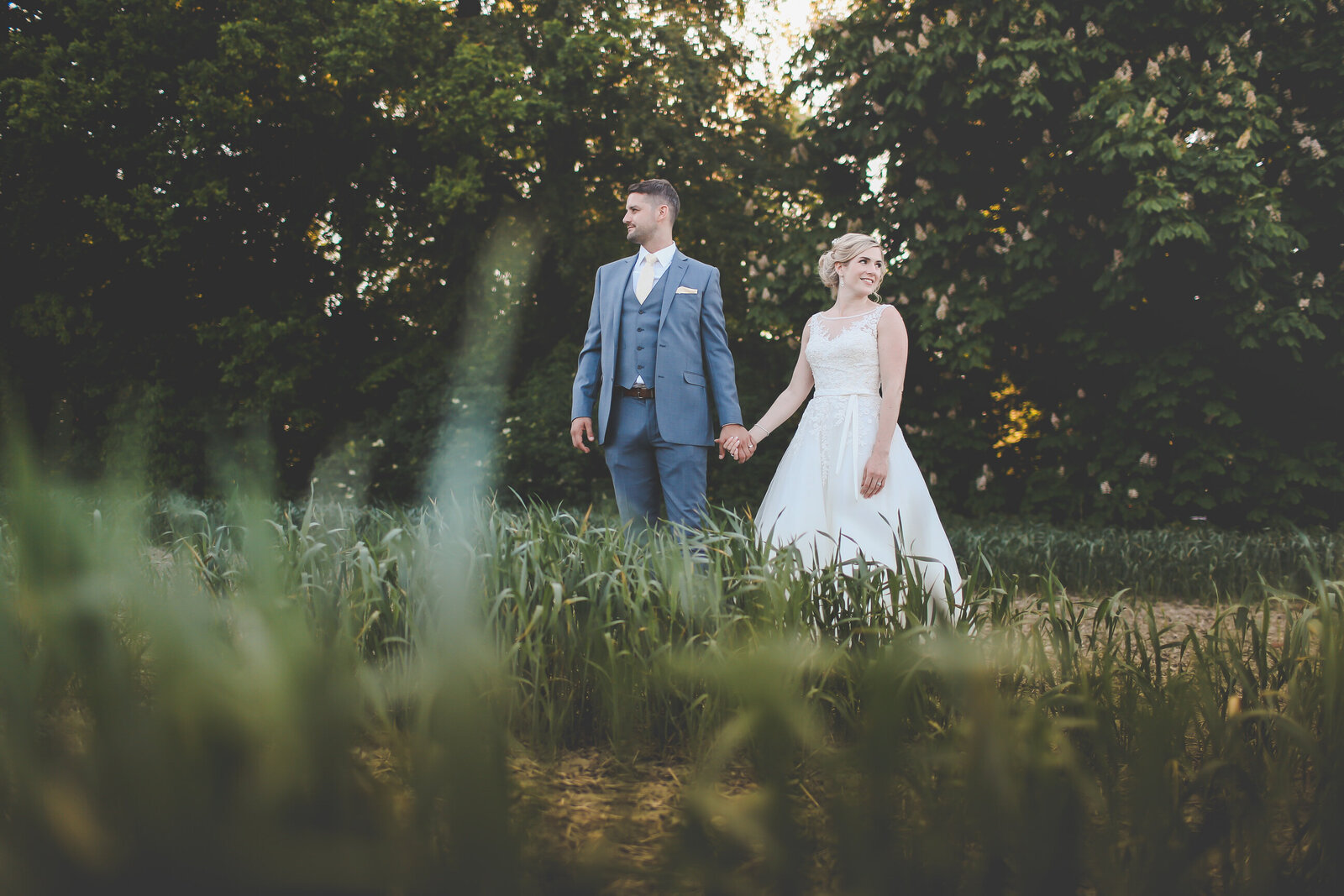 LAINS-BARN-WEDDING-PHOTOGRAPHER-FUN-REALXED-0060