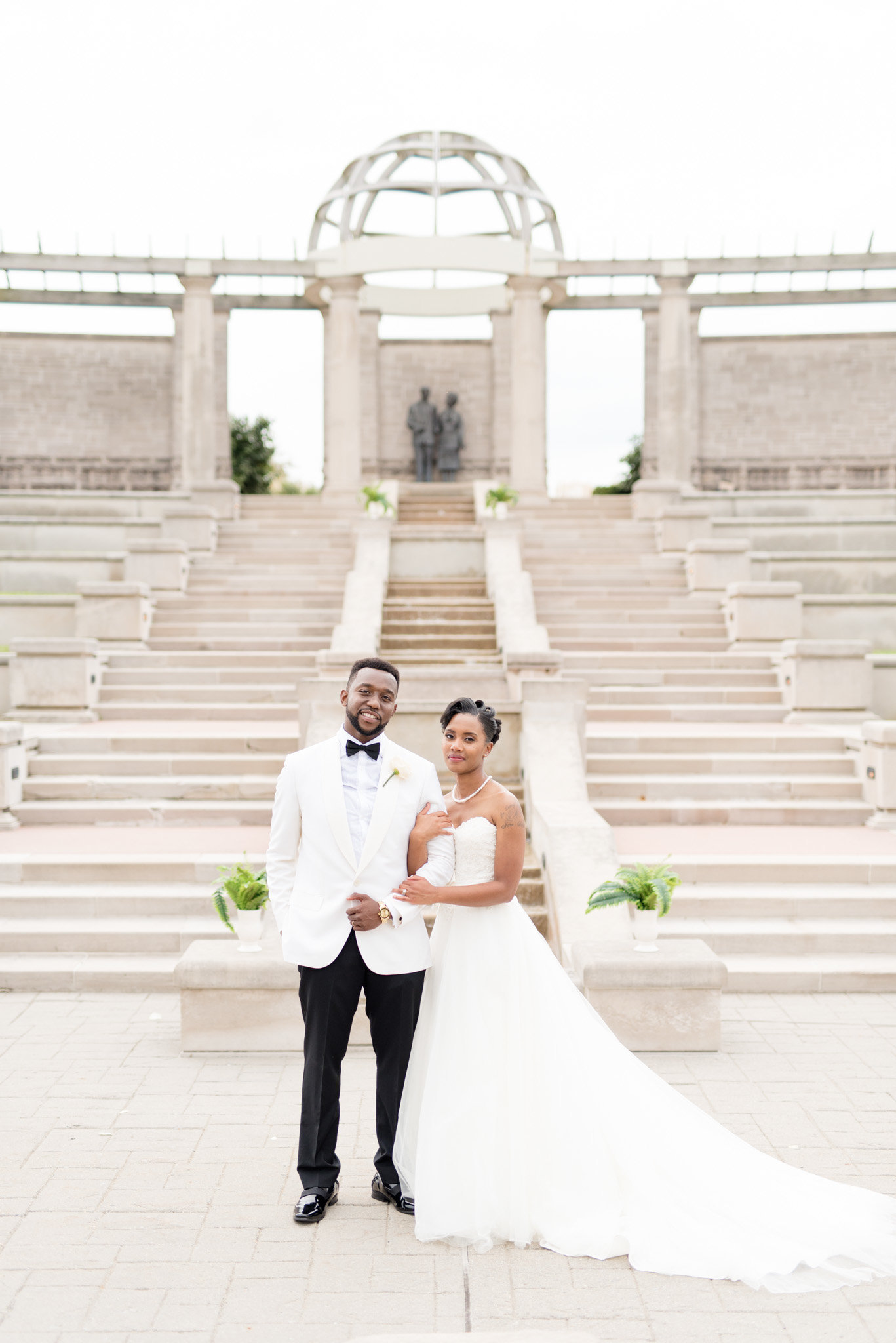 Luxury-Ritz-Charles-Wedding-Indianapolis 0011