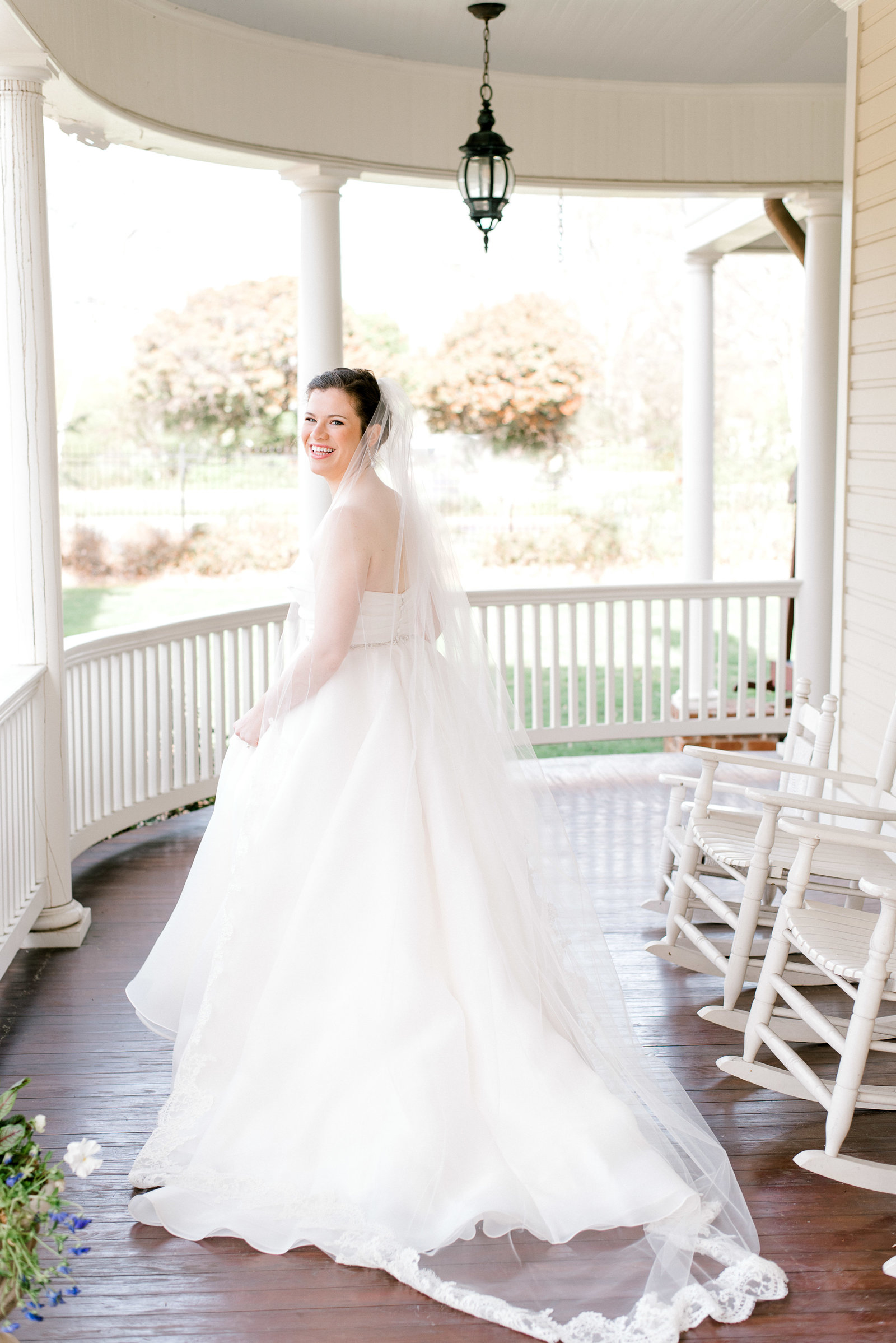charlotte-wedding-photographer-alexander-homestead-weddings-bride-bridal-session-wedding-fine-art-bright-and-airy-film-photographer-alyssa-frost-photography-3