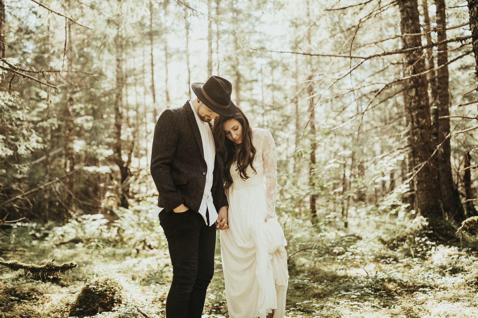 athena-and-camron-alaska-elopement-wedding-inspiration-india-earl-athena-grace-glacier-lagoon-wedding30