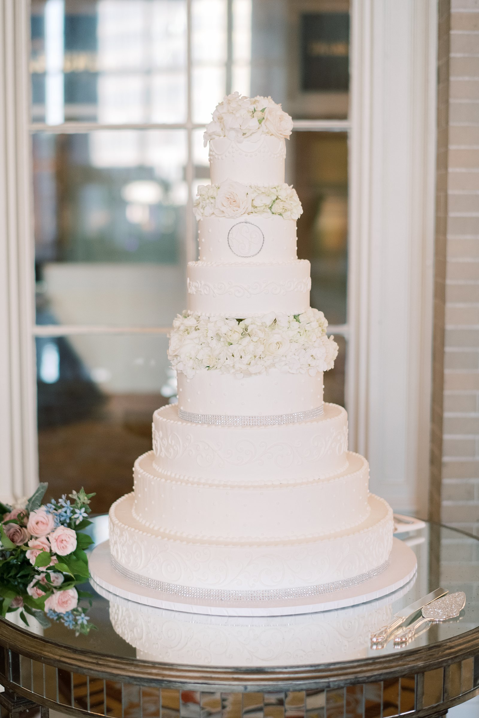 classic wedding cake at dallas union station