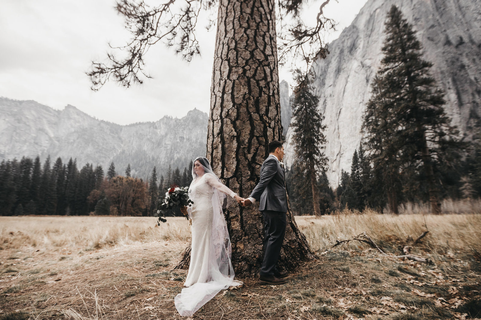 athena-and-camron-yosemite-elopement-wedding-photographer-elegent-valley-wedding8-prayer-first-look