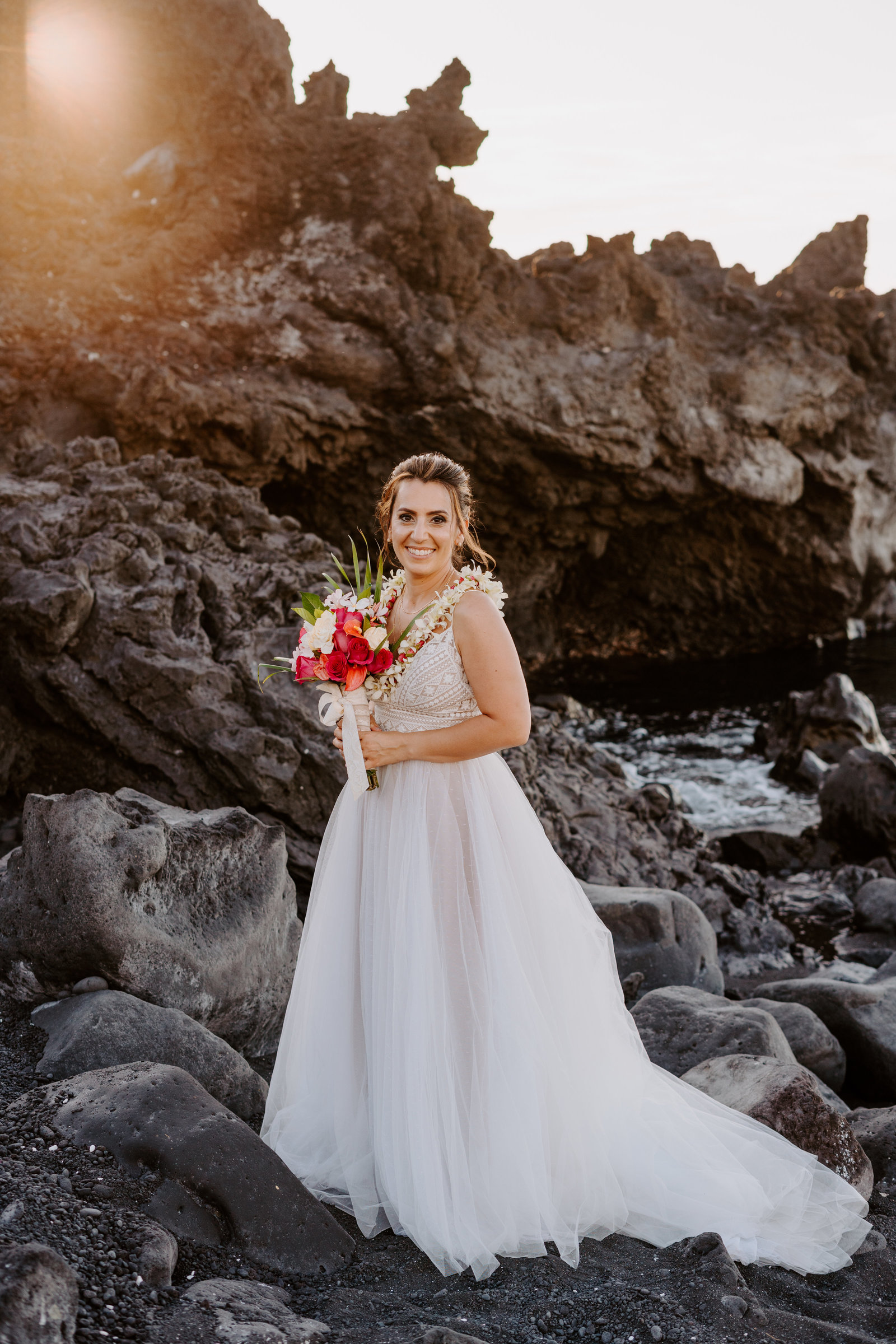 kiholo-bay-big-island-hawai-elopement-black-sand-beach-christina-gabe-sydney-and-ryan-photography-8