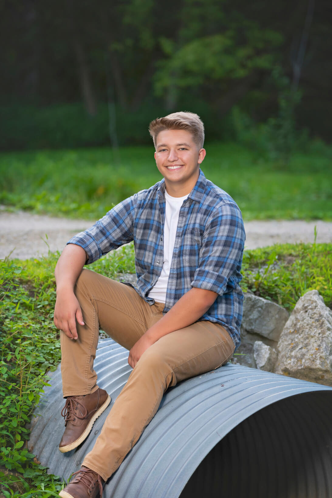 Senior-Pictures-Hartford-Union-High-School-Wisconsin-16