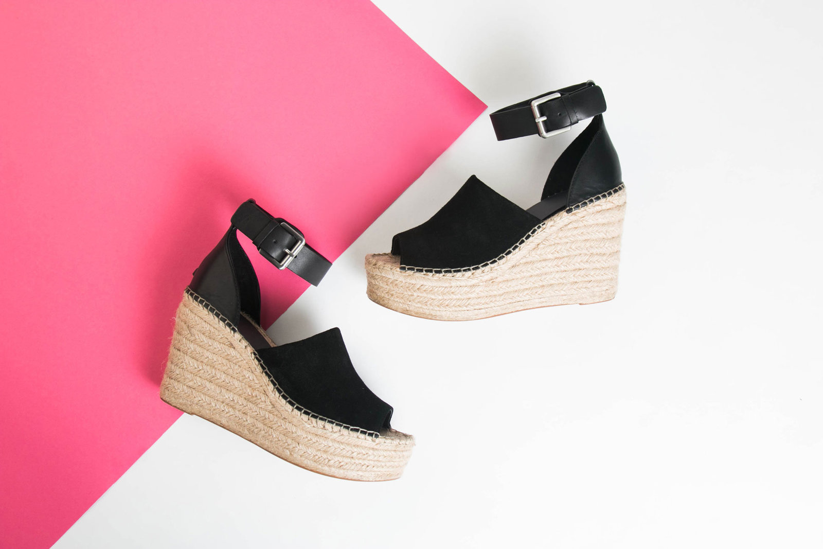 chicago-product-photography-featherlite-studios-marc-fisher-wedges-0023