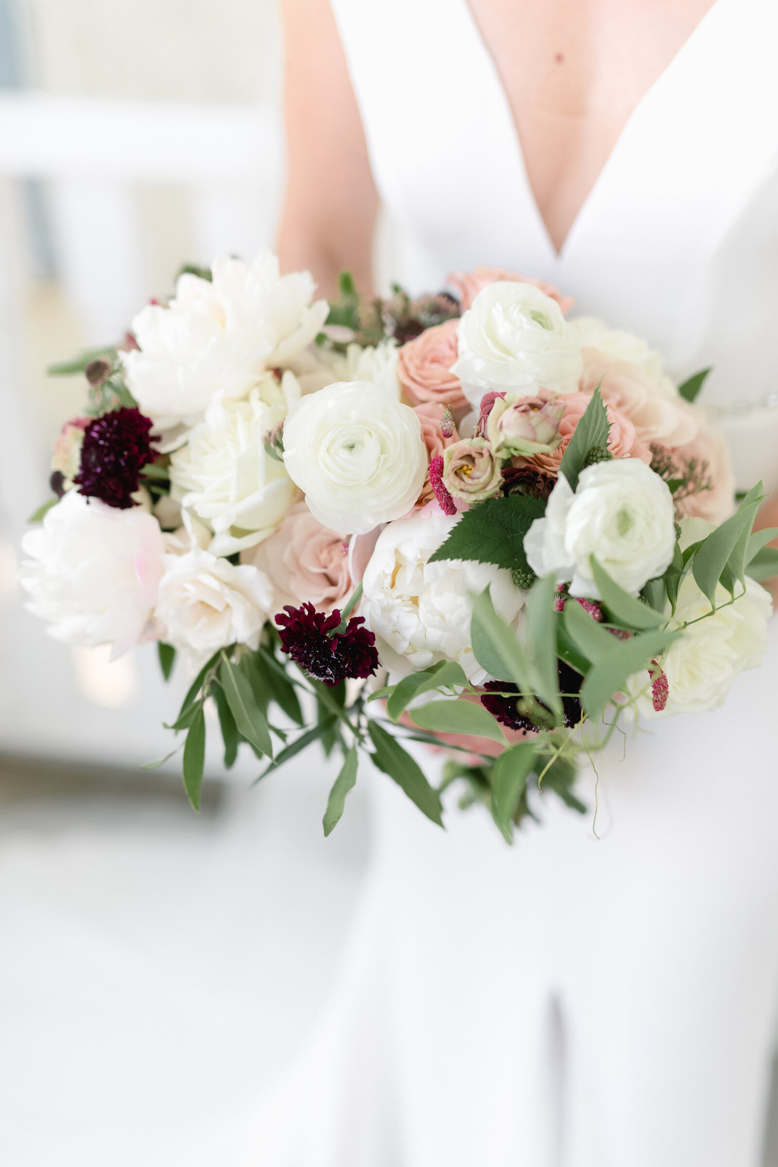 white blush berry tone bouquet_2