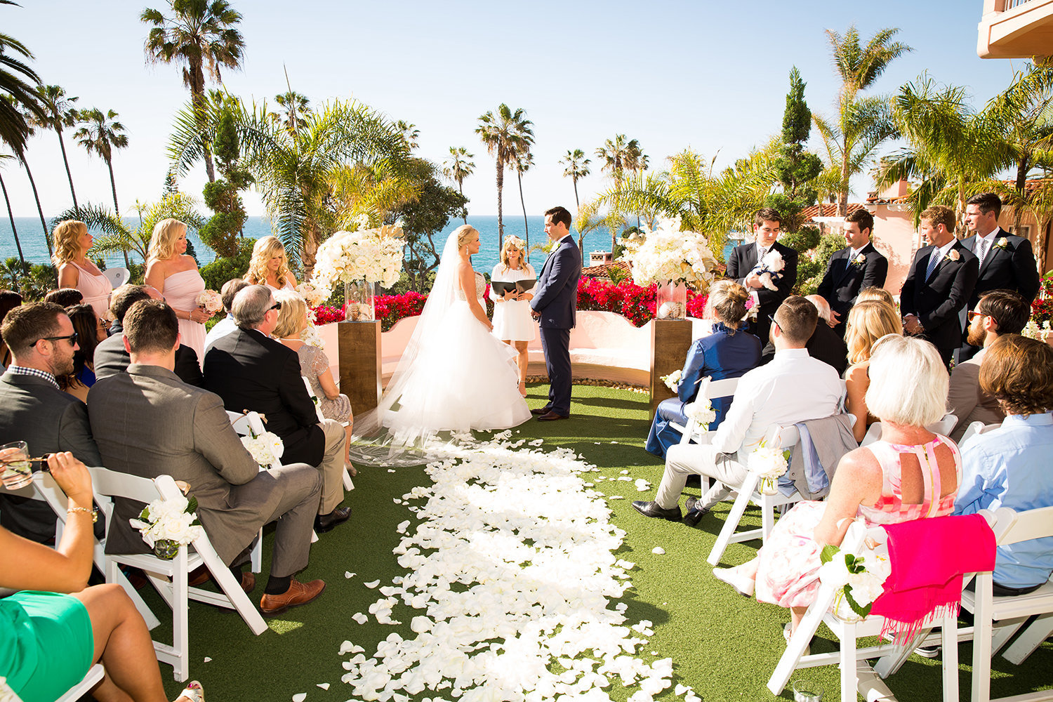 Spectacular wedding ceremony at La Valencia in La Jolla