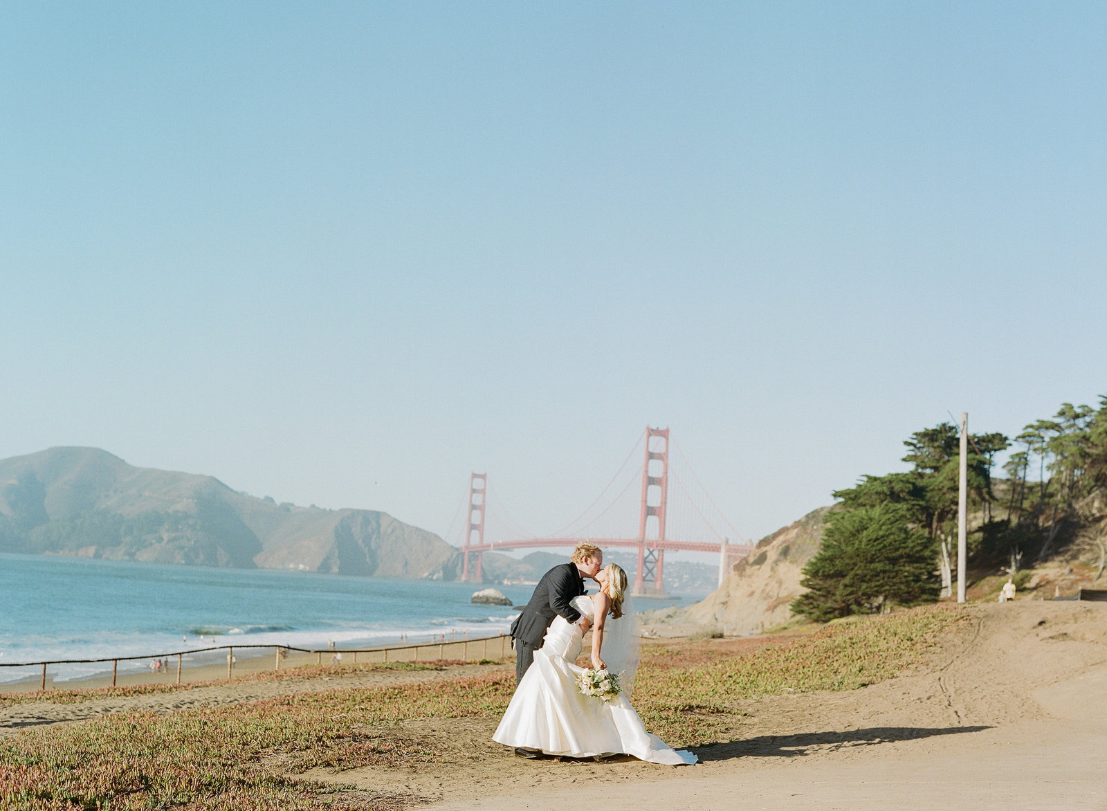 0363-000039780012-san-francisco-california-wedding-flood-mansion-michaela-joy-photography