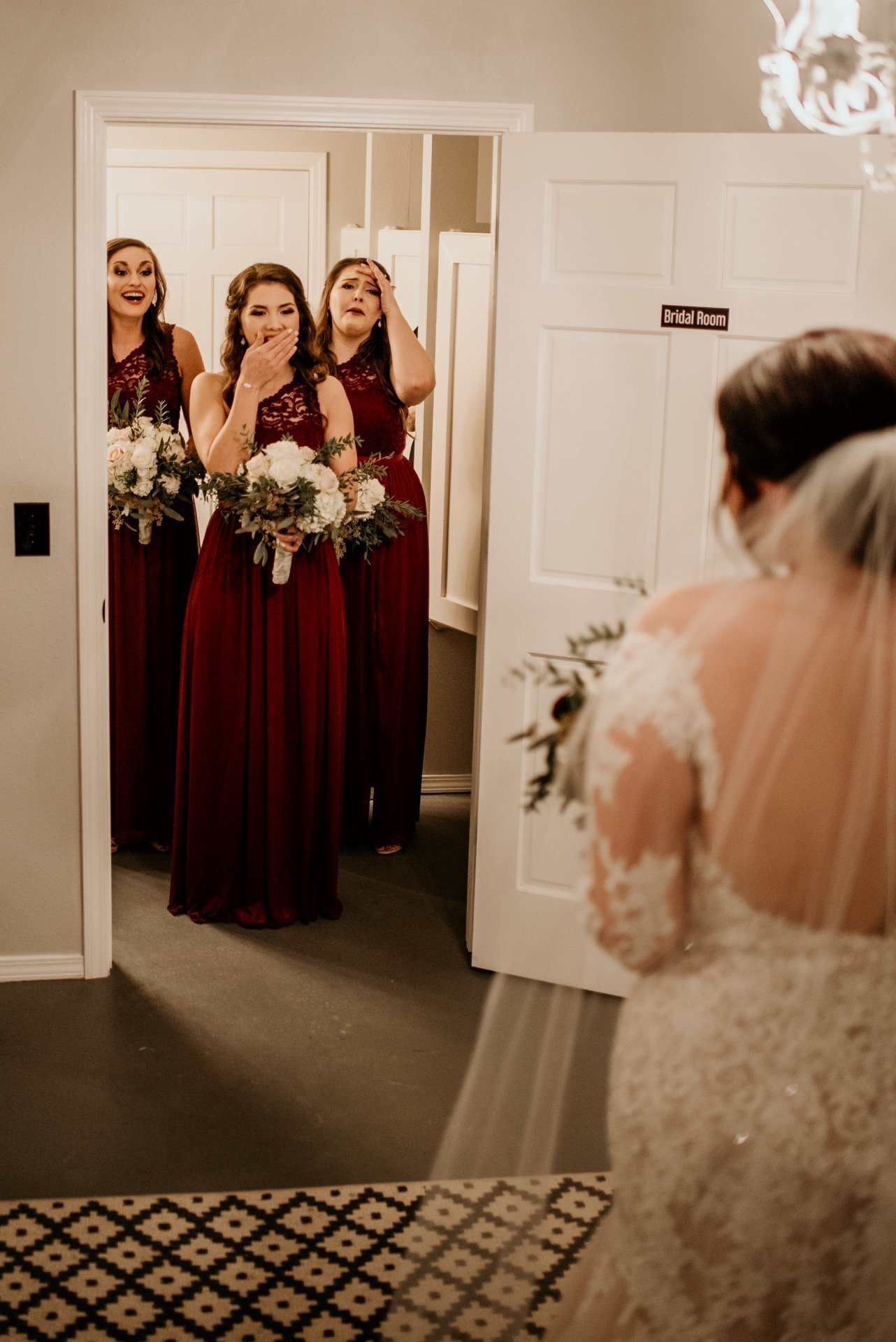 Bridesmaids see bride for the first time / K