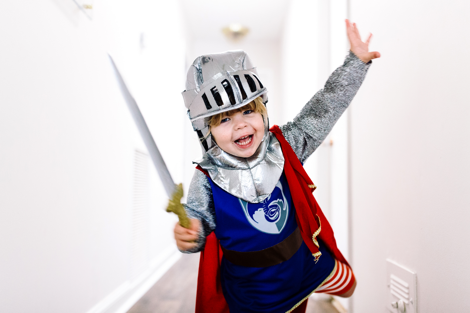 family photographer, columbus, ga, atlanta, documentary, photojournalism, little boy pretending, knight_9744