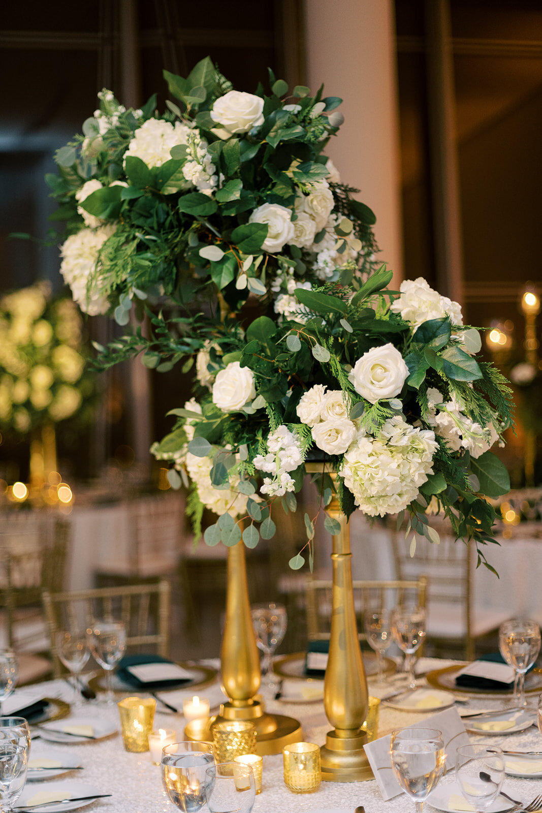 24-Venue-Six10-Wedding-centerpiece