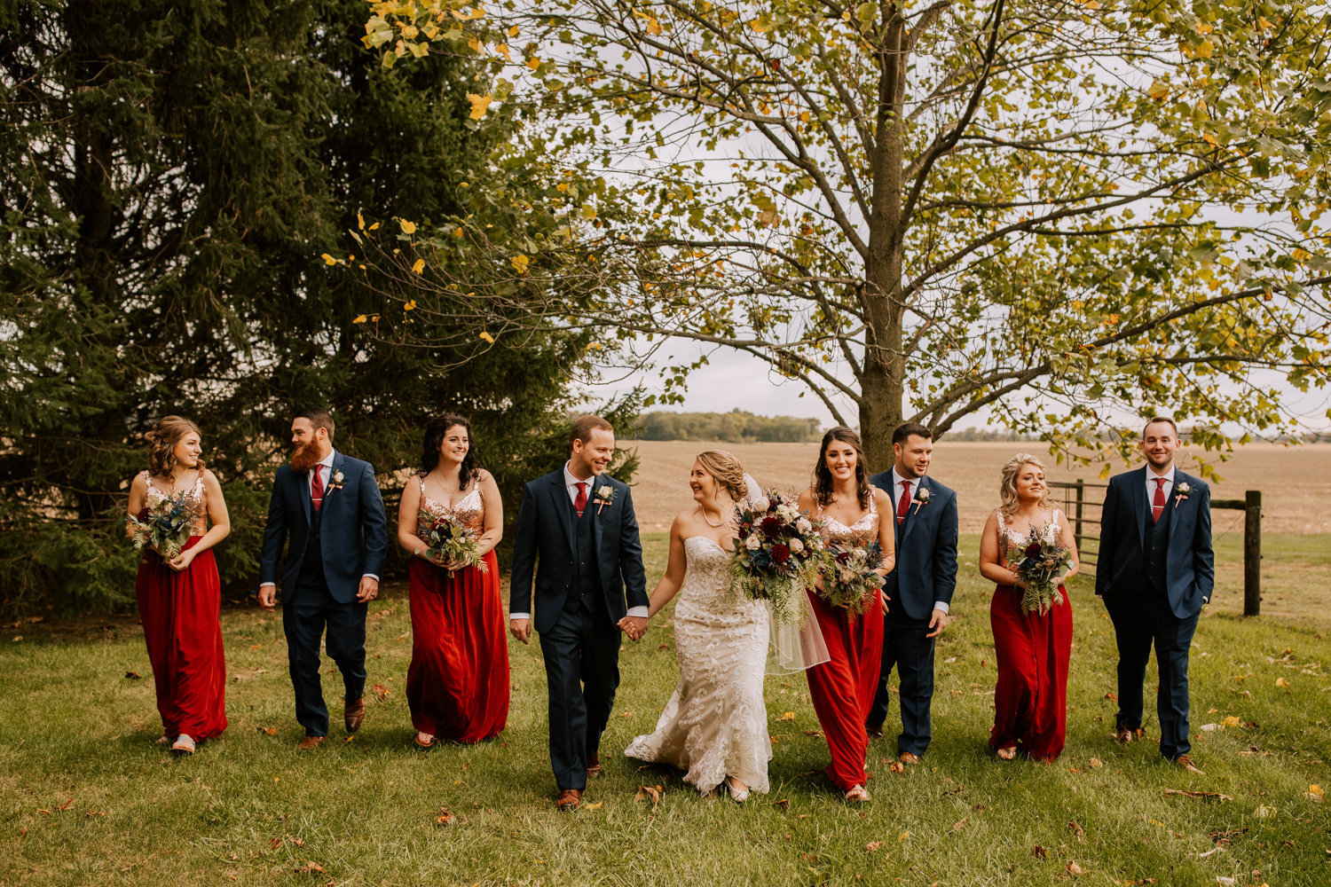 Country-red-barn-wedding-delphi-712