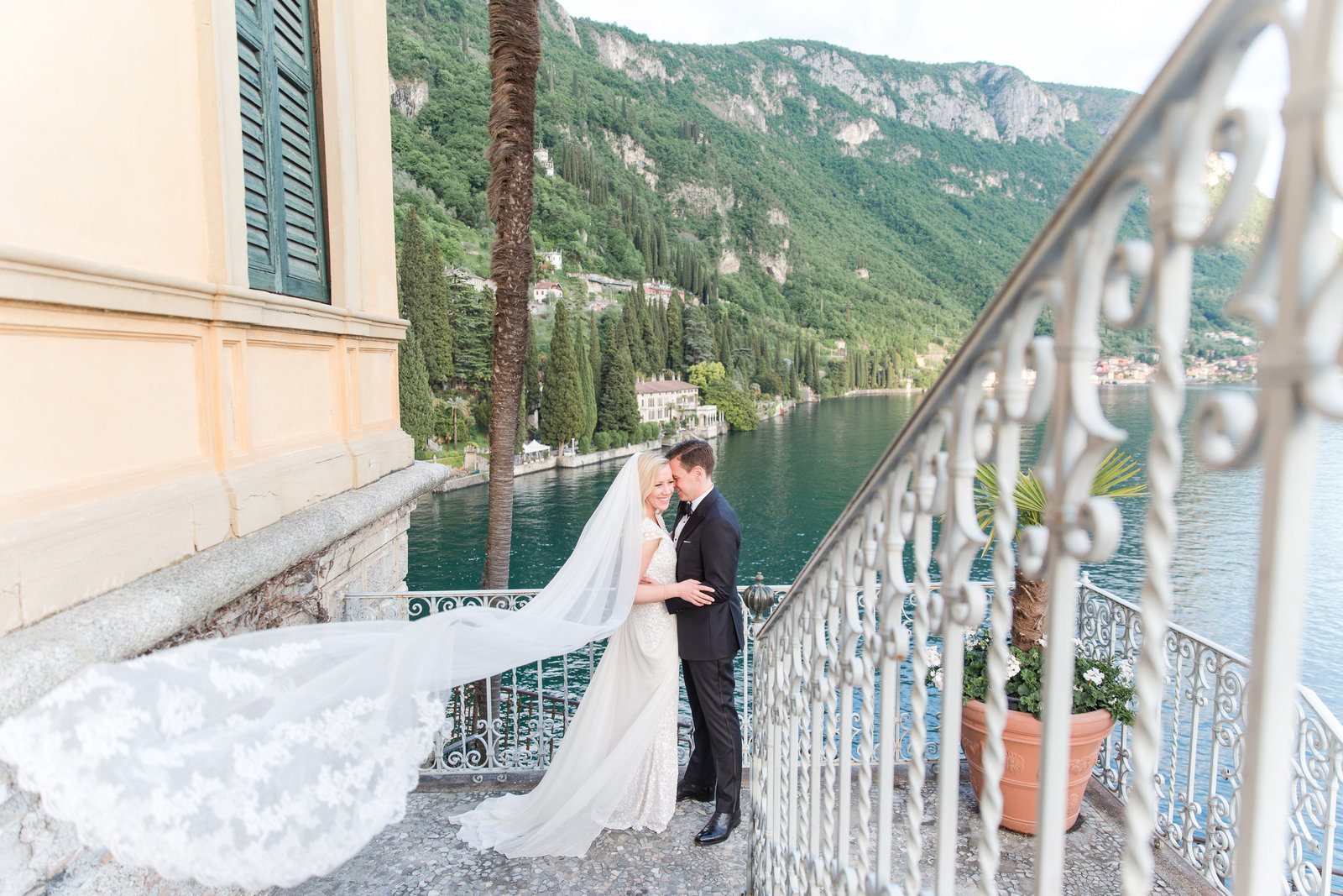 lake como italy wedding photographer