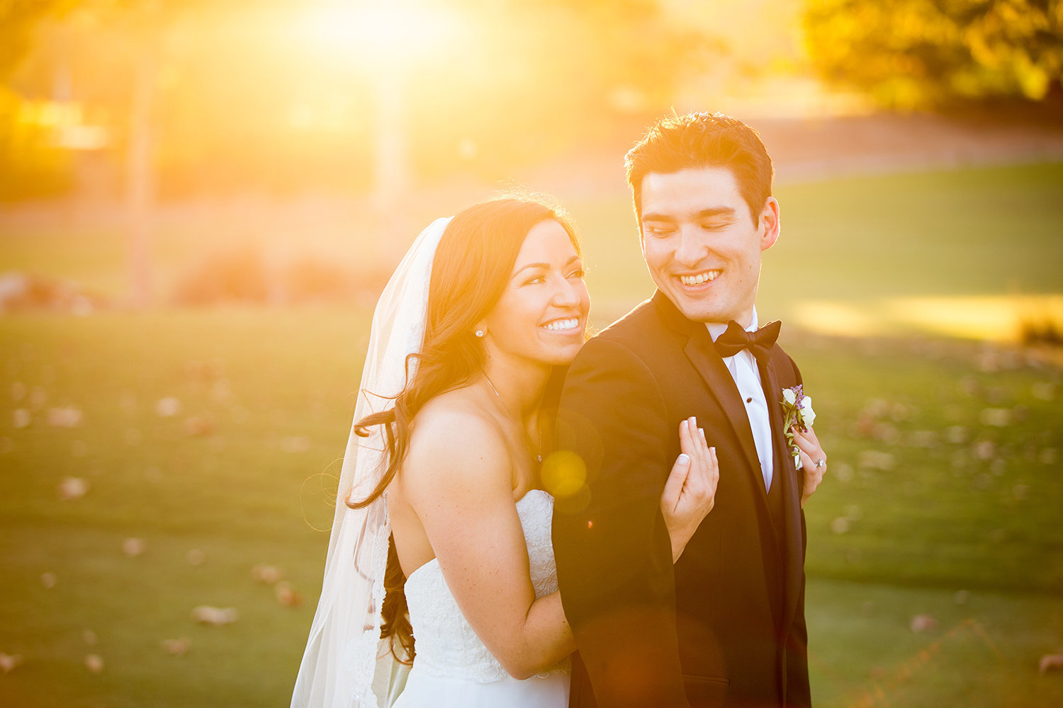 Madras Golf Club wedding photos beautiful light open field