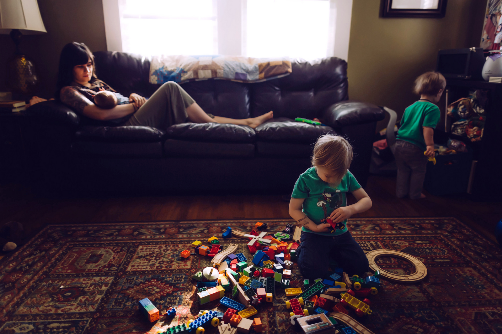 family photographer, columbus, ga, atlanta, documentary, photojournalism, messy toys, kids playing_1042-2-2