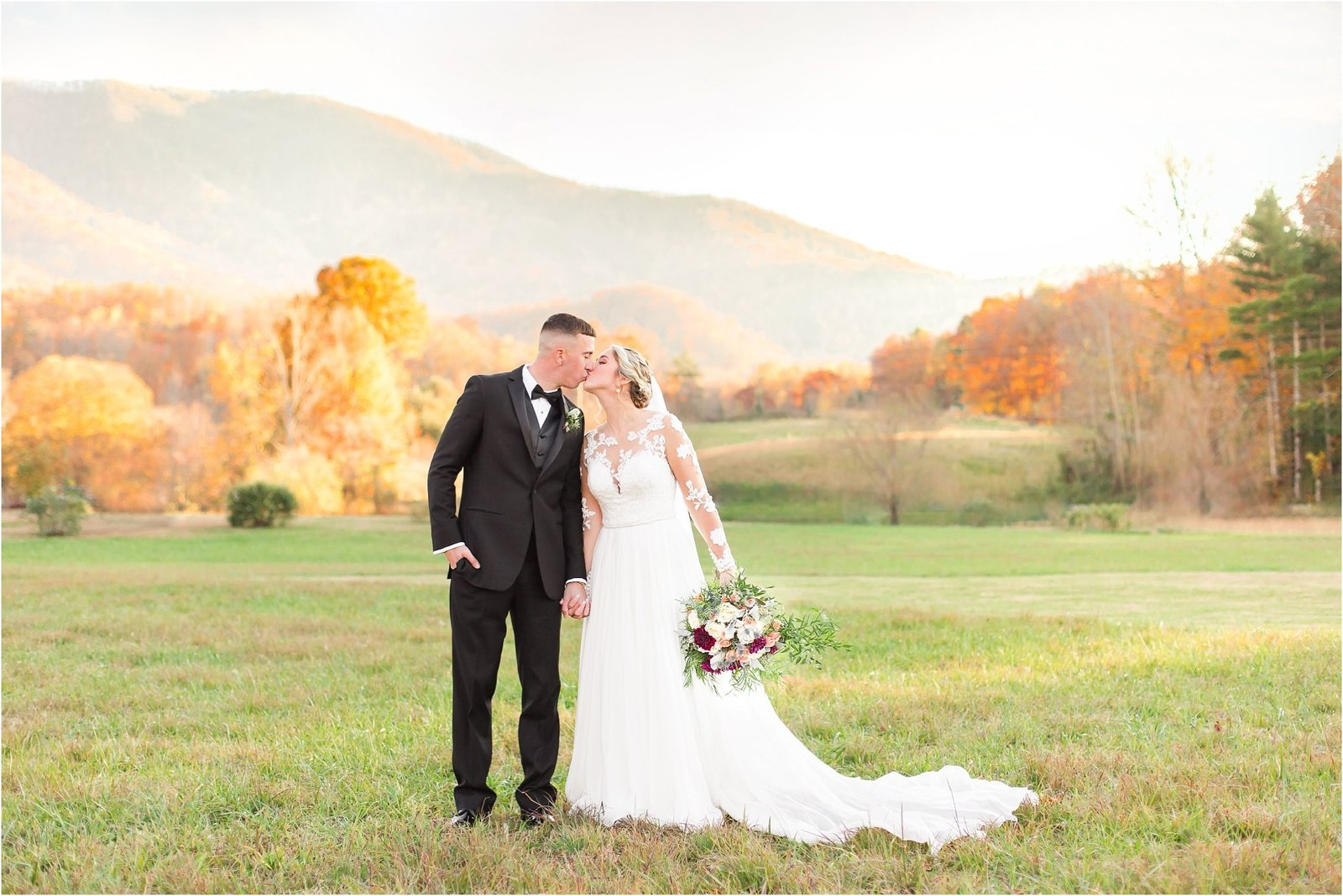 akingslodgeweddingpigeonforgeweddingsmokymountainsweddingmikayleeandian102125