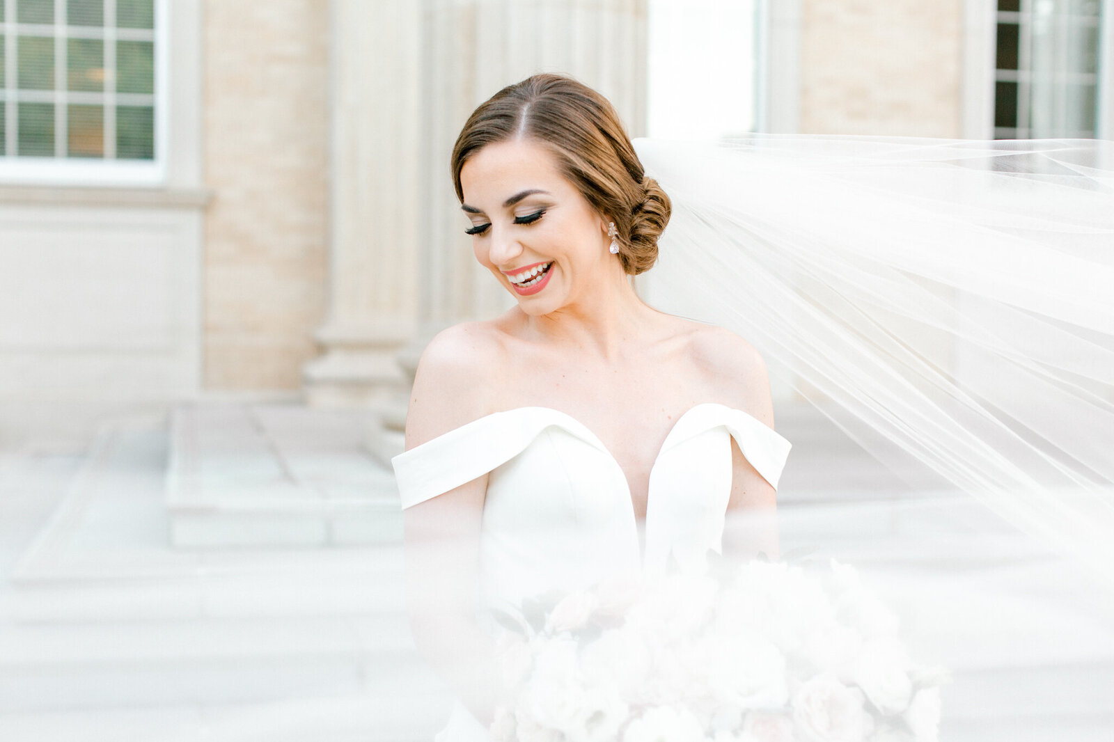 Lexi Broughton Bridal Portraits at TCU Robert Carr Chapel Fort Worth, Texas | Sami Kathryn Photography | Dallas DFW Wedding Photographer | R. Love Floral Blush and Peach Bouquet-12