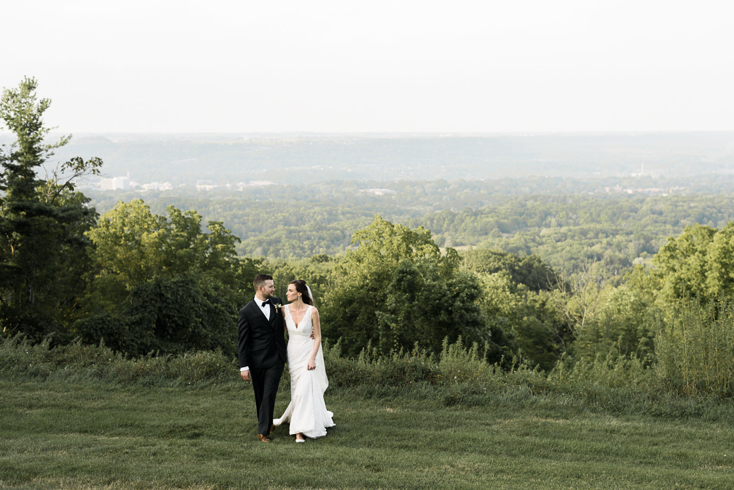 Hamilton Mountain wedding photo