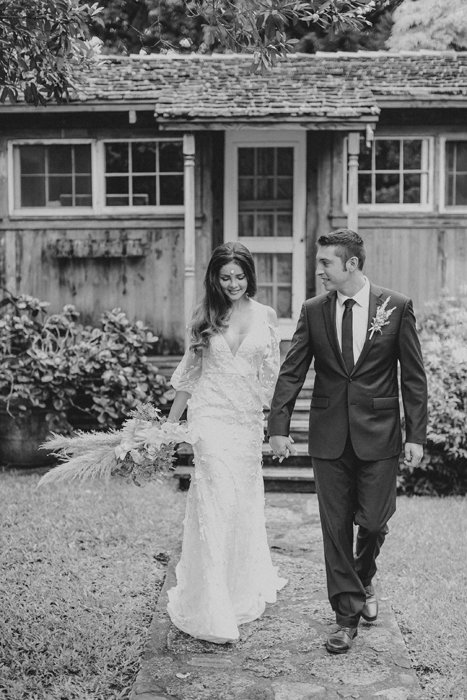 X0513_Haiku-Mill_Maui-Wedding-Photographer_Caitlin-Cathey-Photo_0294-b&w