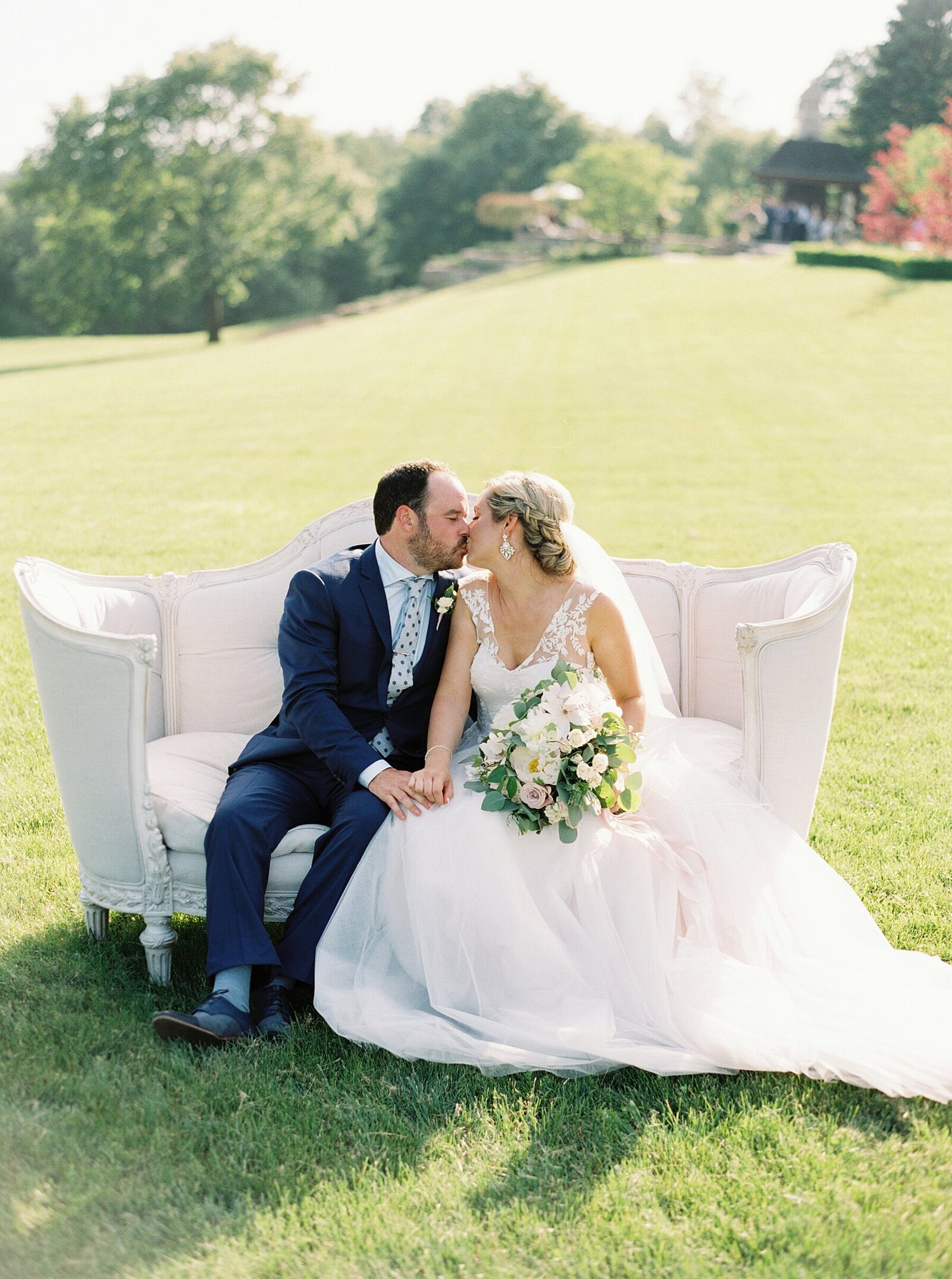 port-perry-wedding-photographer-estate-penryn-mansion-romantic-bride_0012