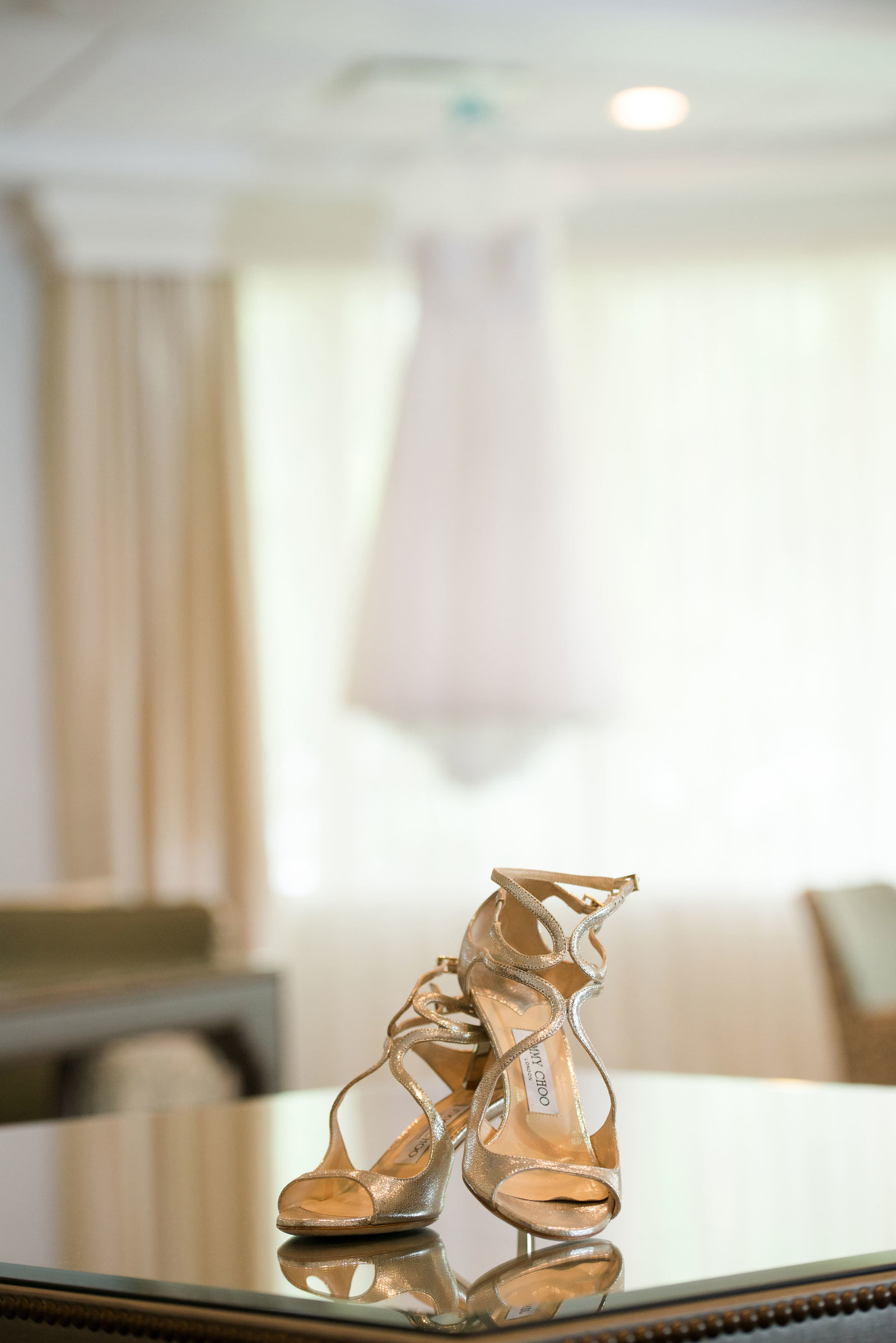 bride's shoes at Engineers Country Club