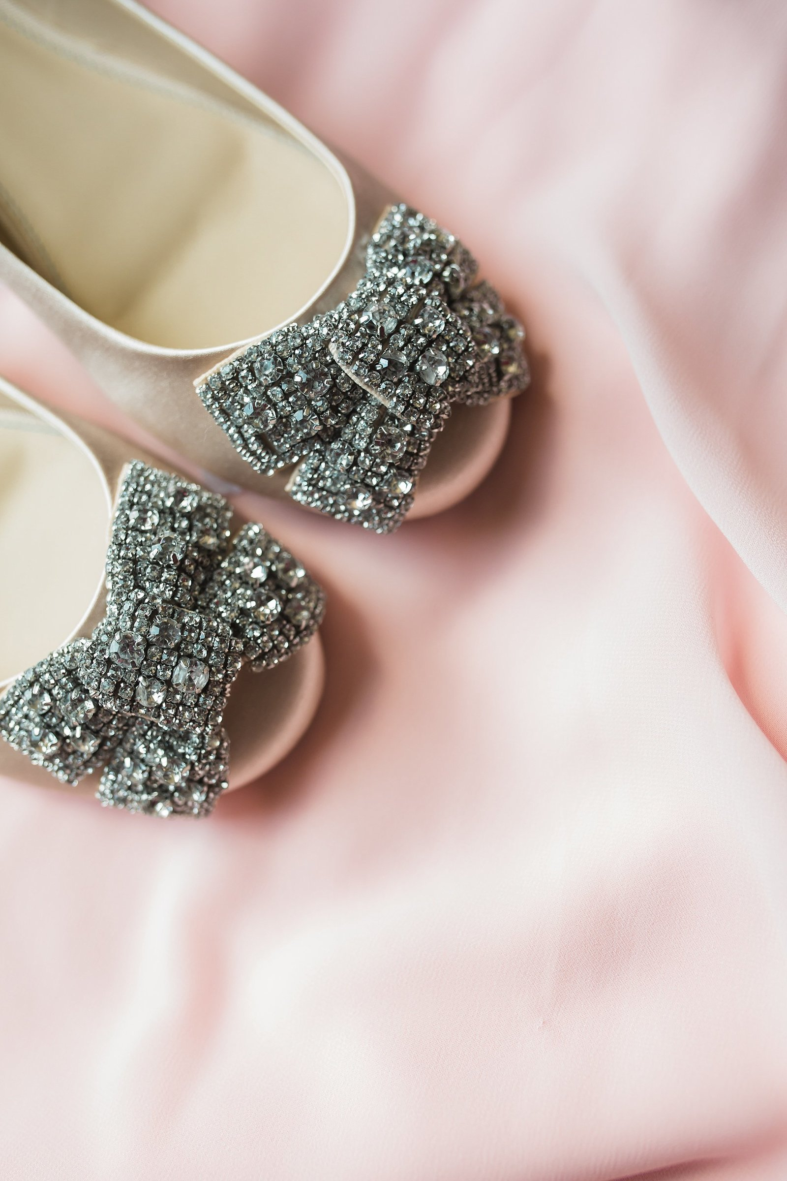 M Harris Studios_Trump National Golf Club Wedding_silver wedding shoes