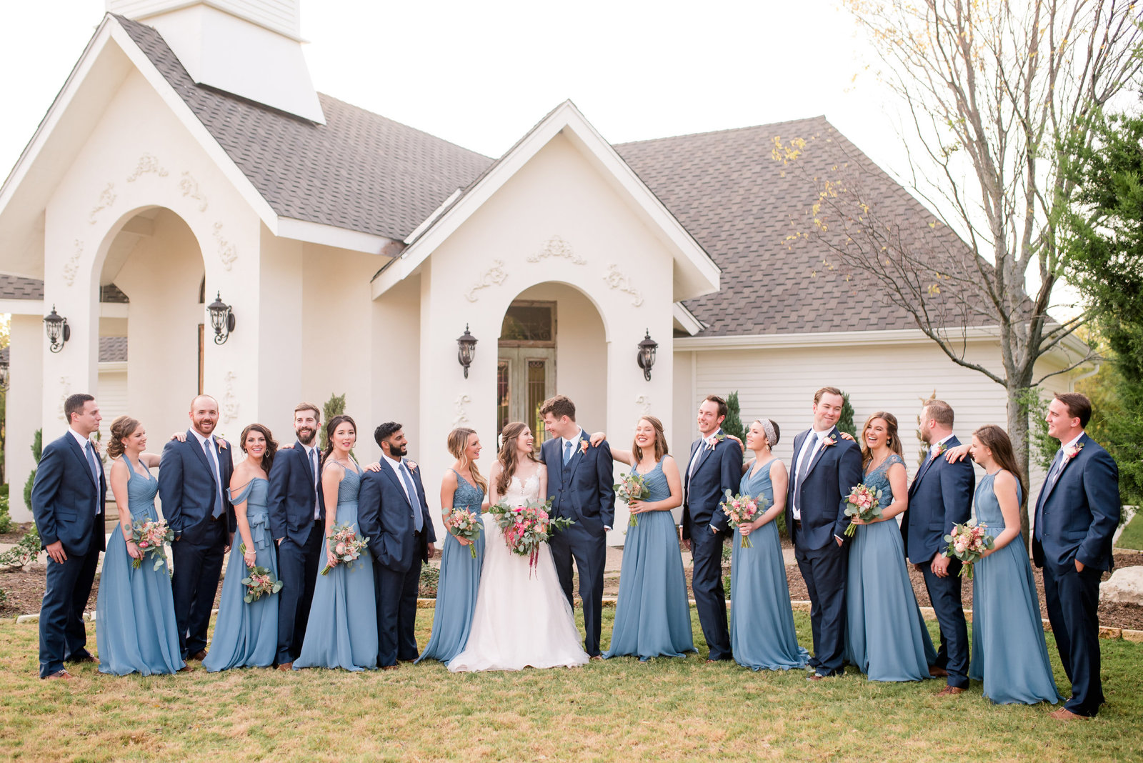 Dallas Wedding Photographer at Bella Woods Venue