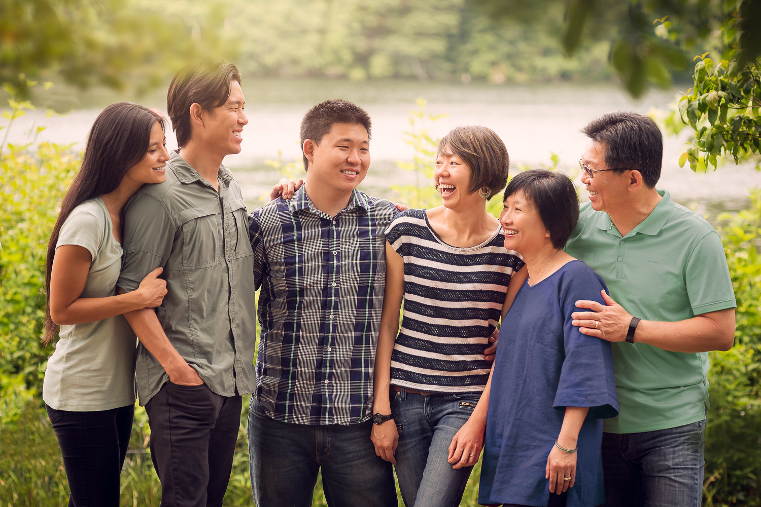 chines family getting family pictures-1