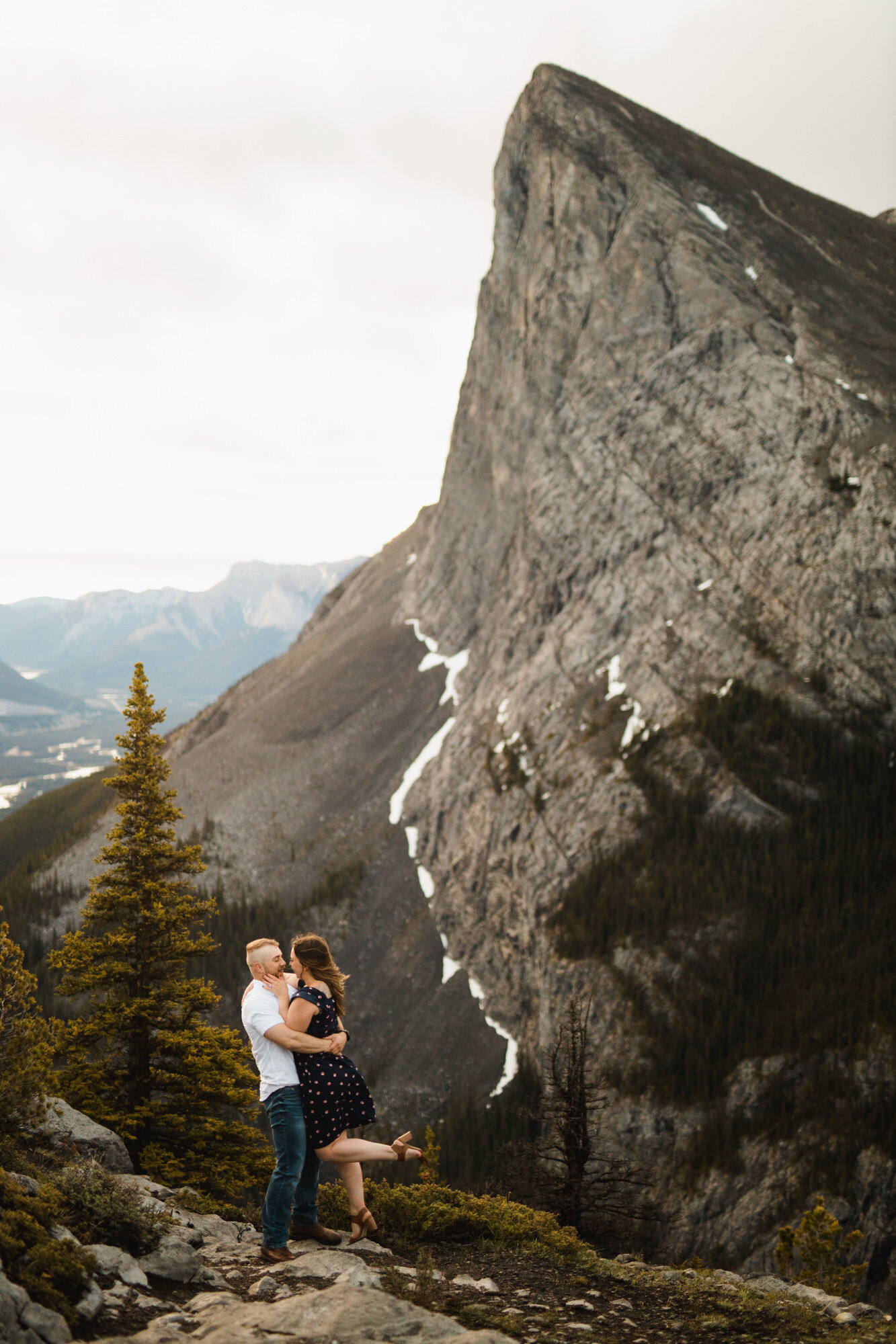 banff.photographer.elopement.engaged.canmore--47