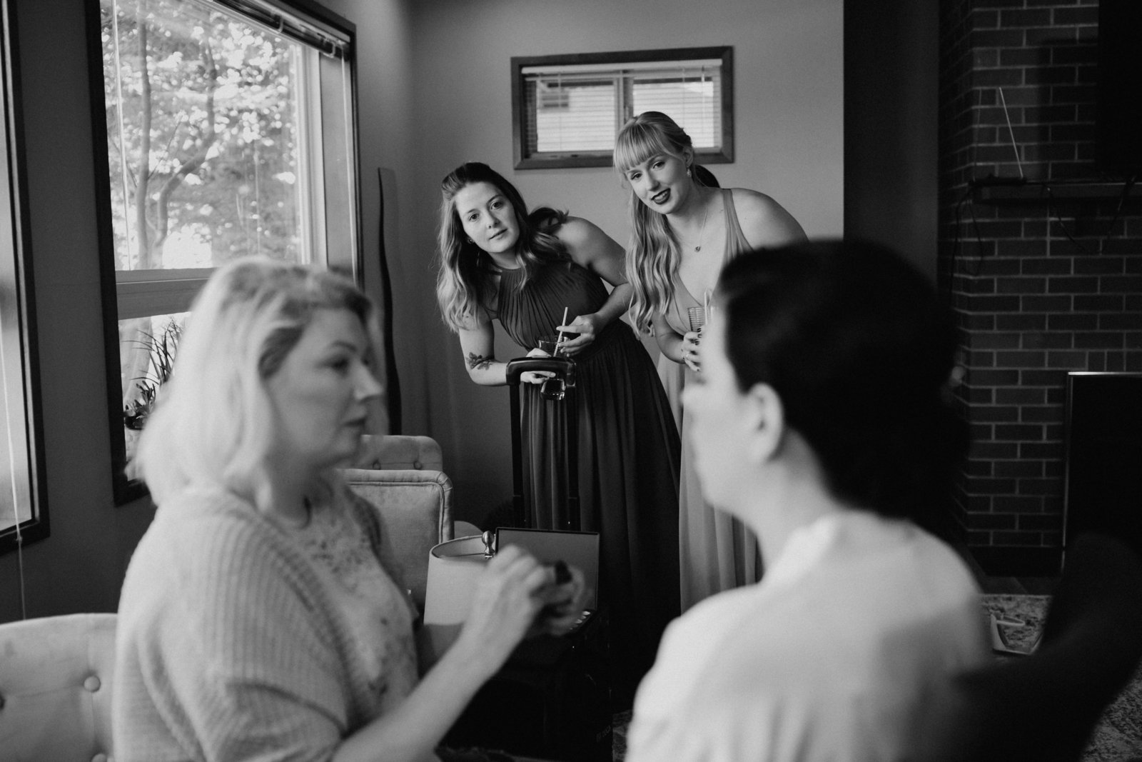 seattle-getting-ready-photo-bridesmaids