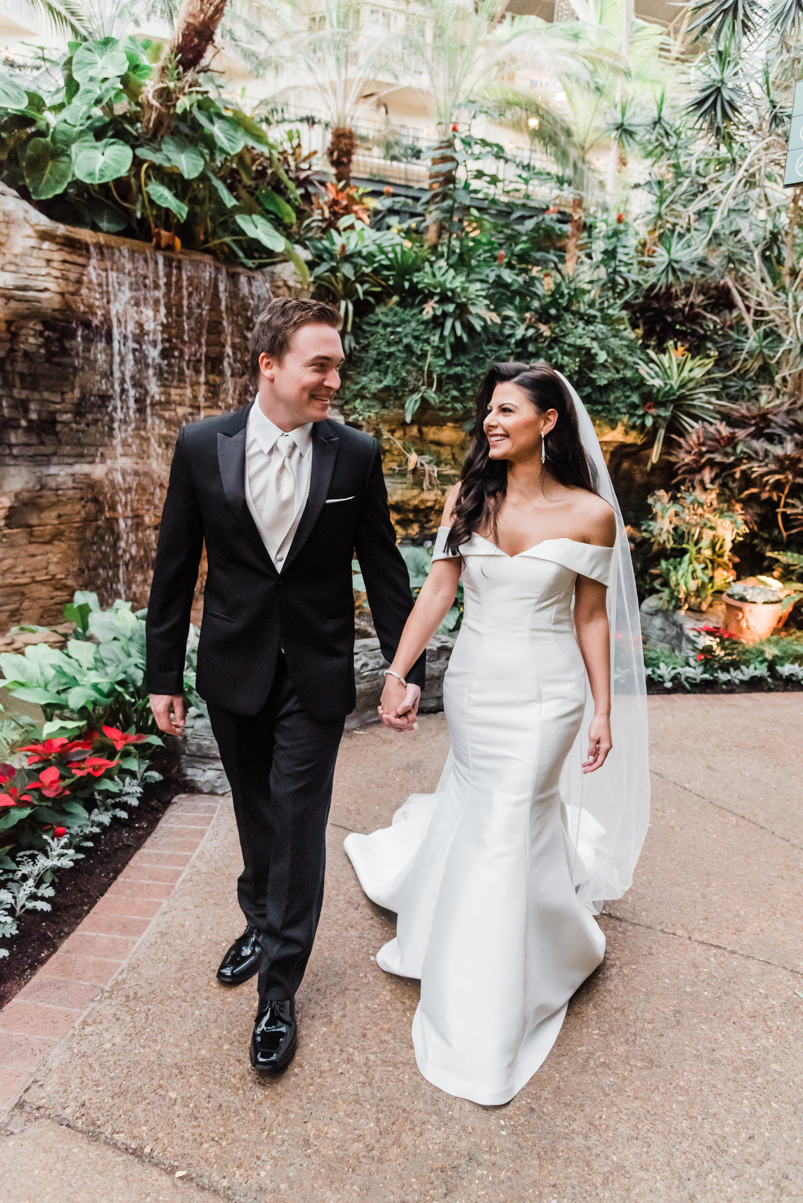 49nashville-wedding-photographers-opryland-hotel