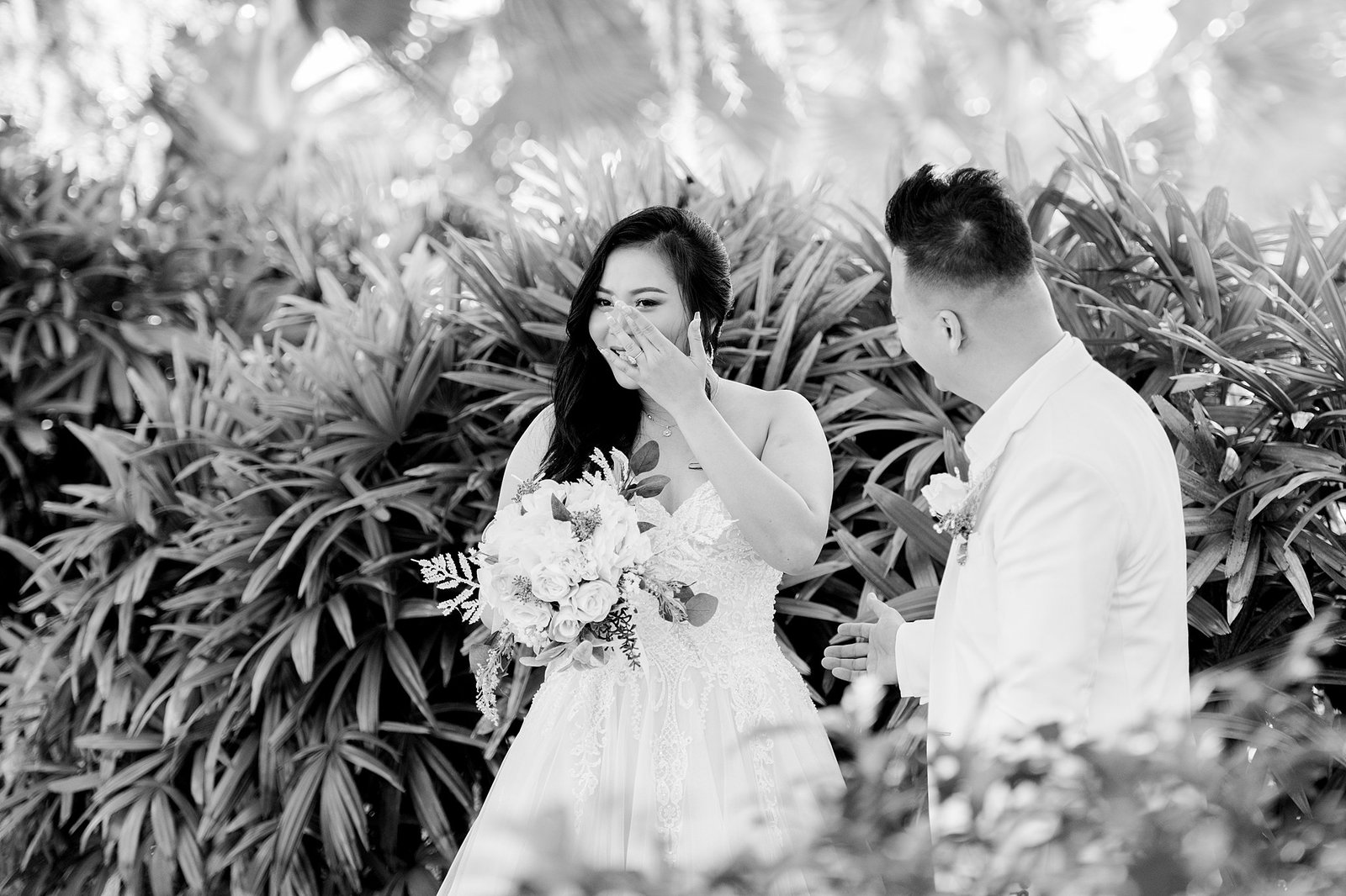 Paradise Cove First Look | Orlando Wedding Photographer
