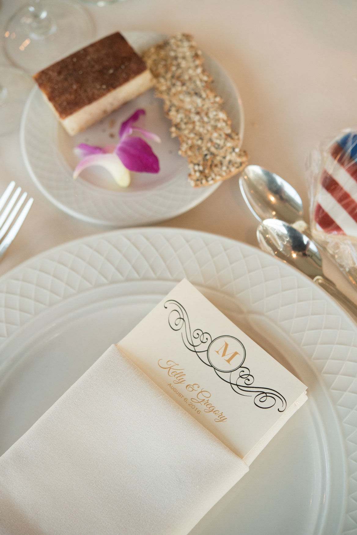 table setting at Glen Island Harbor Club