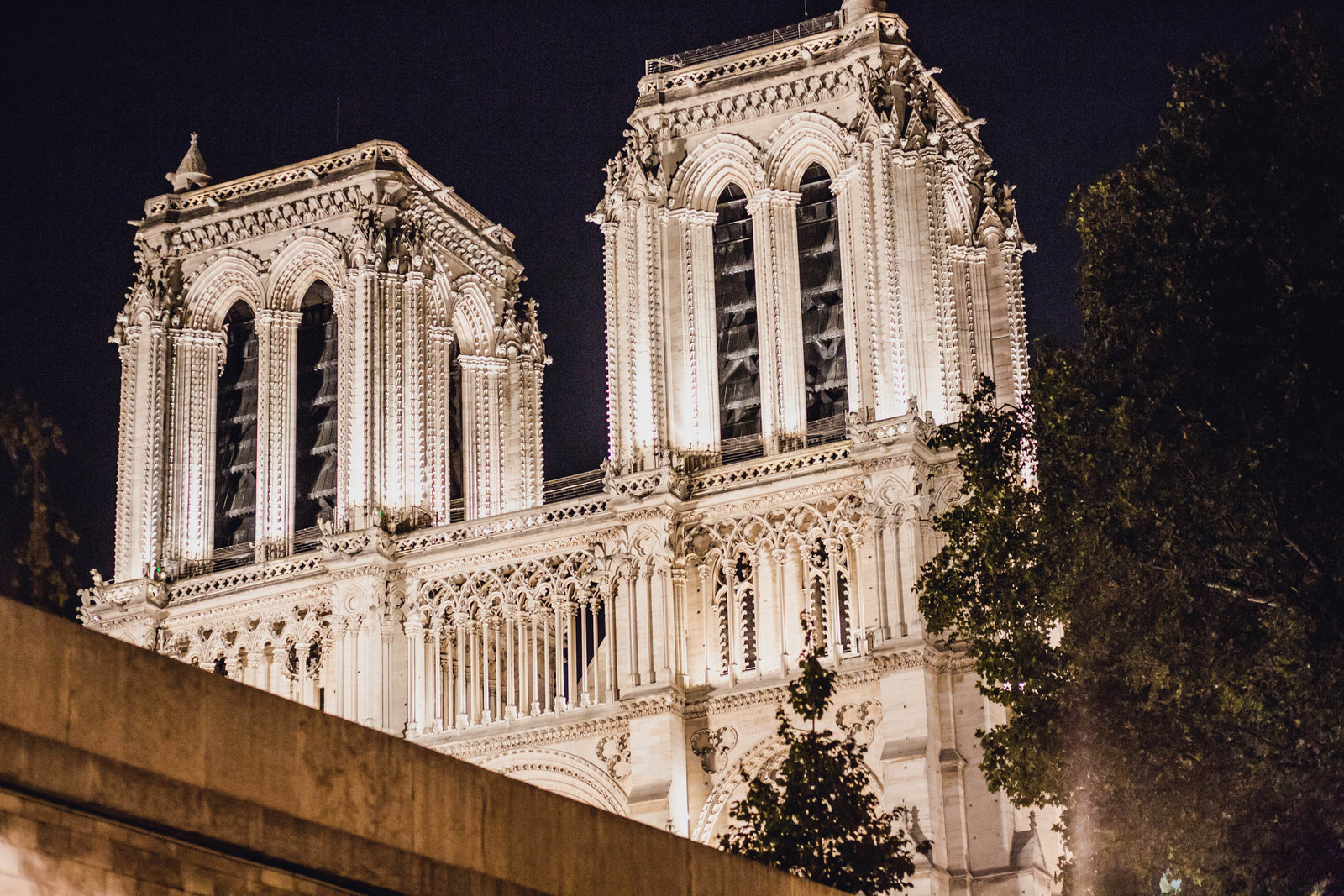 notre-dame-night-paris-france-travel-destination-wedding-kate-timbers-photography-1839