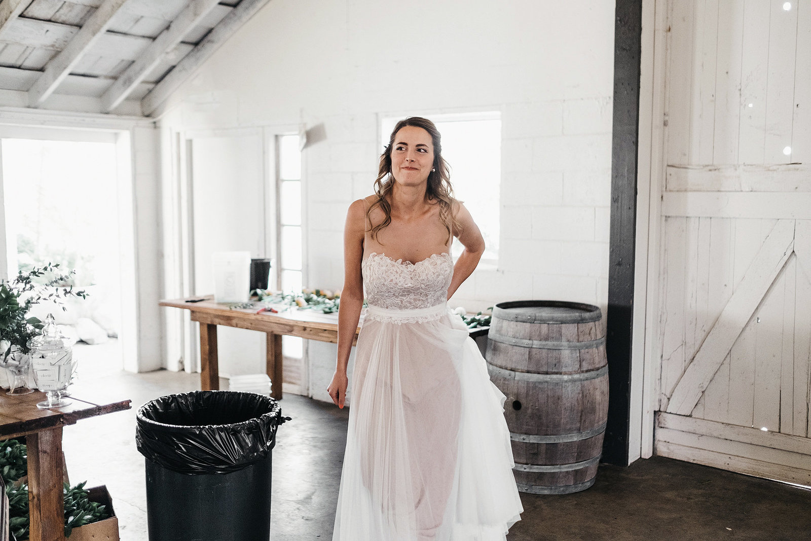 athena-and-camron-seattle-wedding-photographer-dairyland-snohomish-rustic-barn-wedding-flowers-styling-inspiration-lauren-madison-20