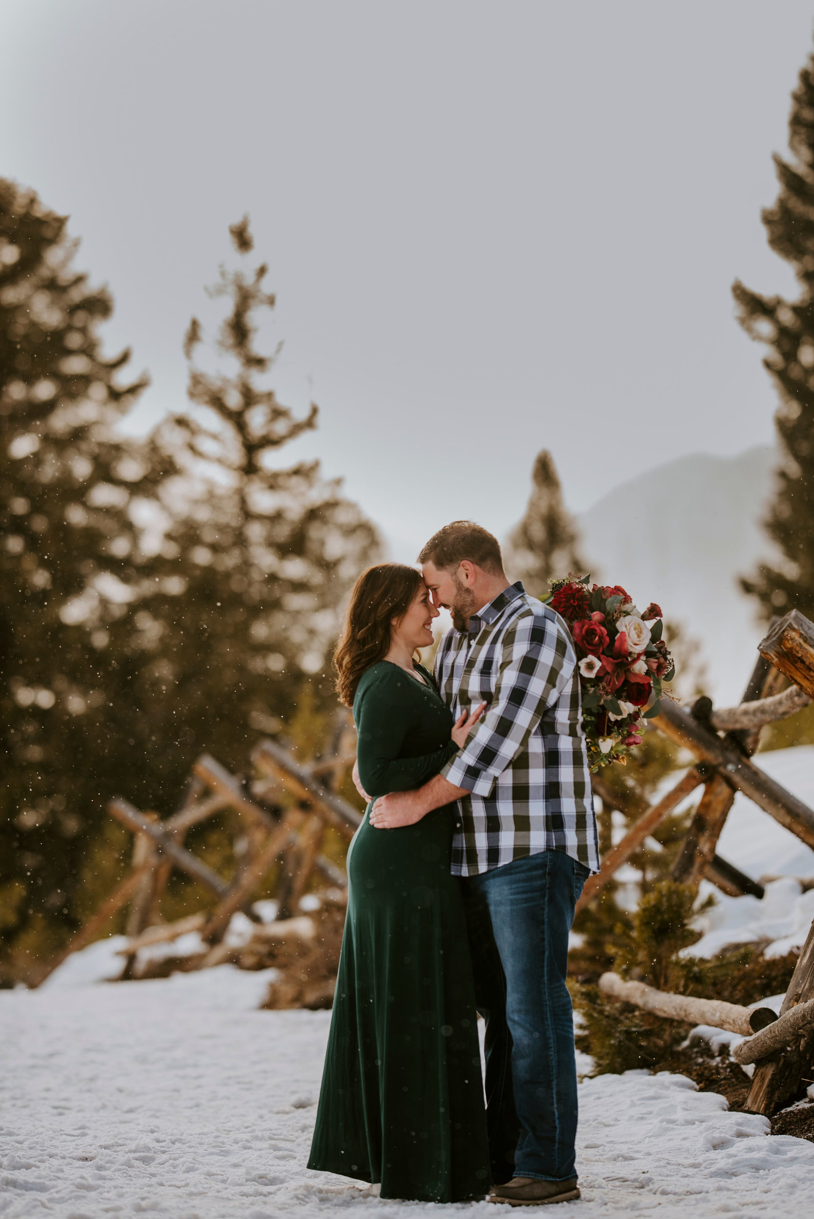 telluride_wedding_elopement_photographer_ouray_winter_elopement_small_wedding_intimate44