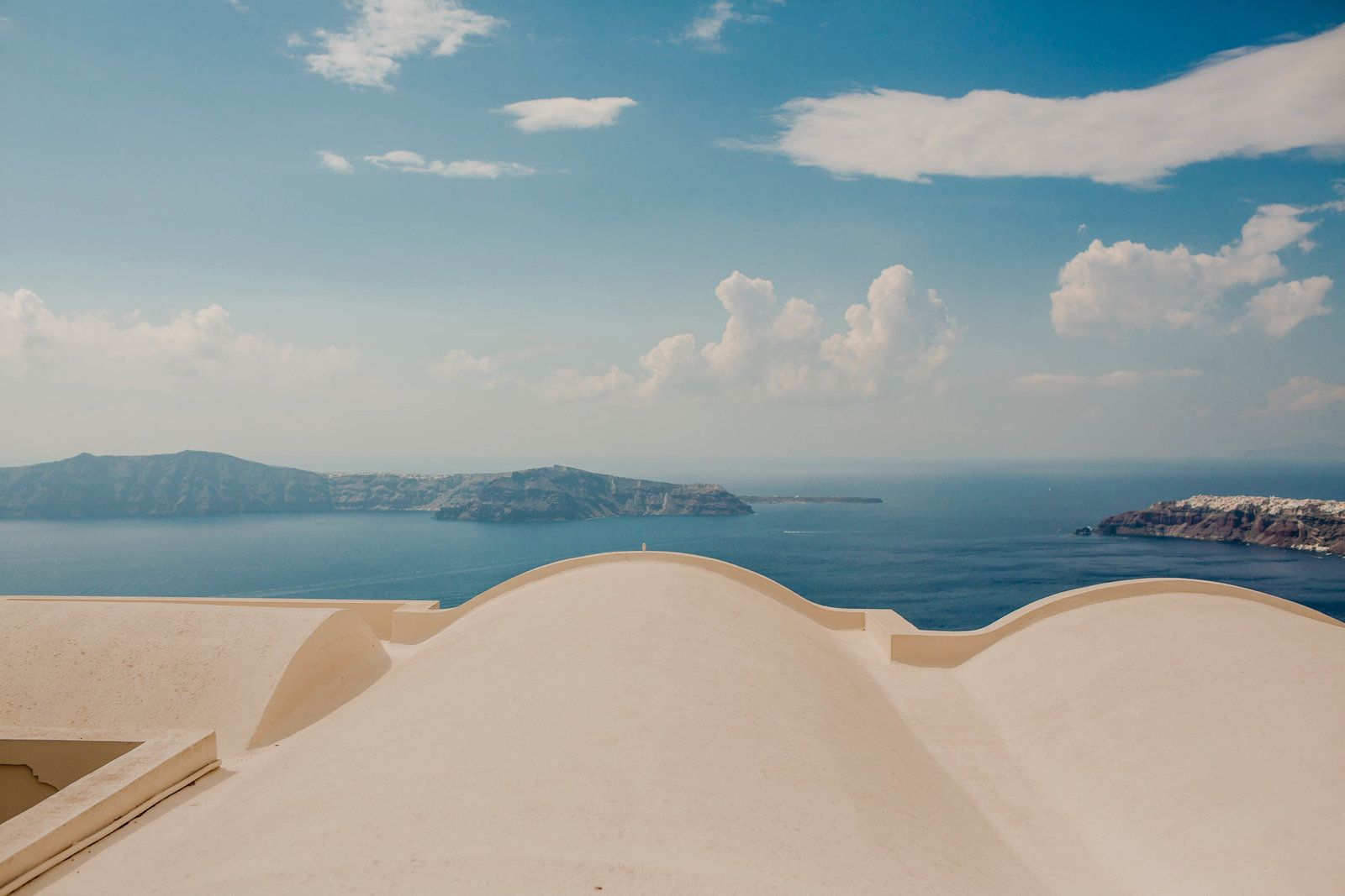 curve-roof-tops-destination-travel-santorini-wedding-kate-timbers-photo-2566