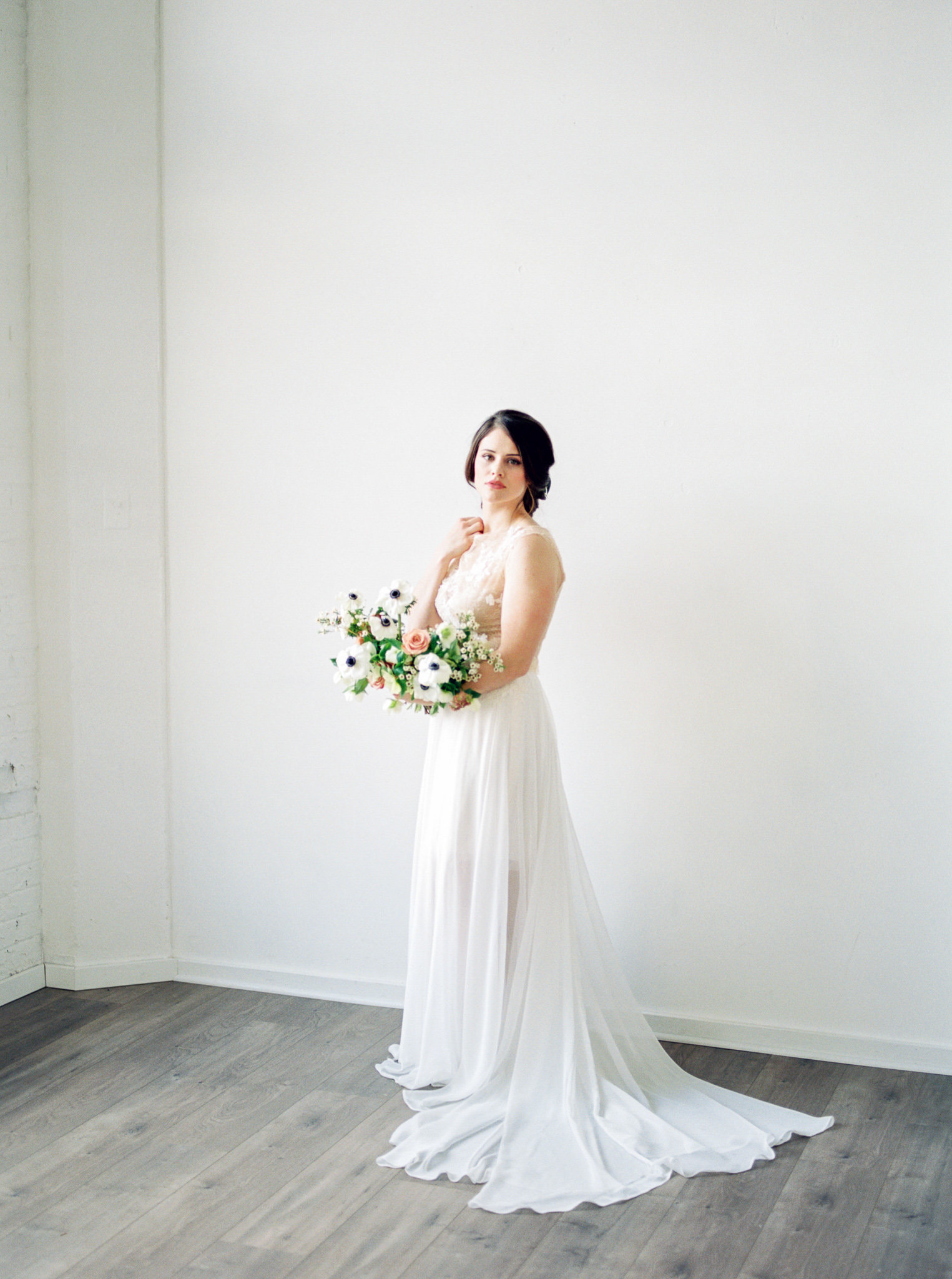 Minimalist-Bride-Georgia-Ruth-Photography-12